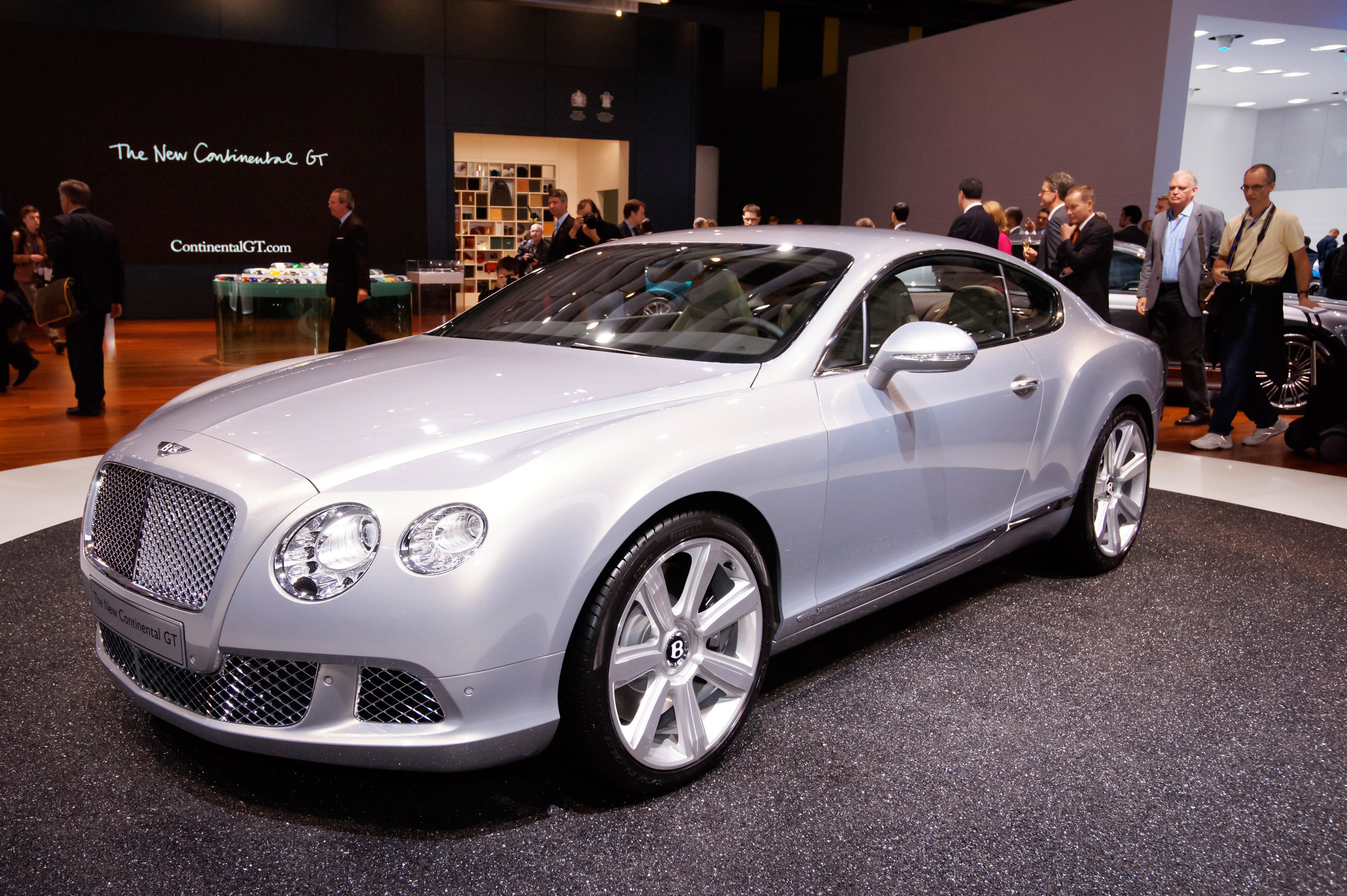 2011 bentley continental gt showcased at paris motor show 2011 bentley continental gt at paris vanachro Image collections