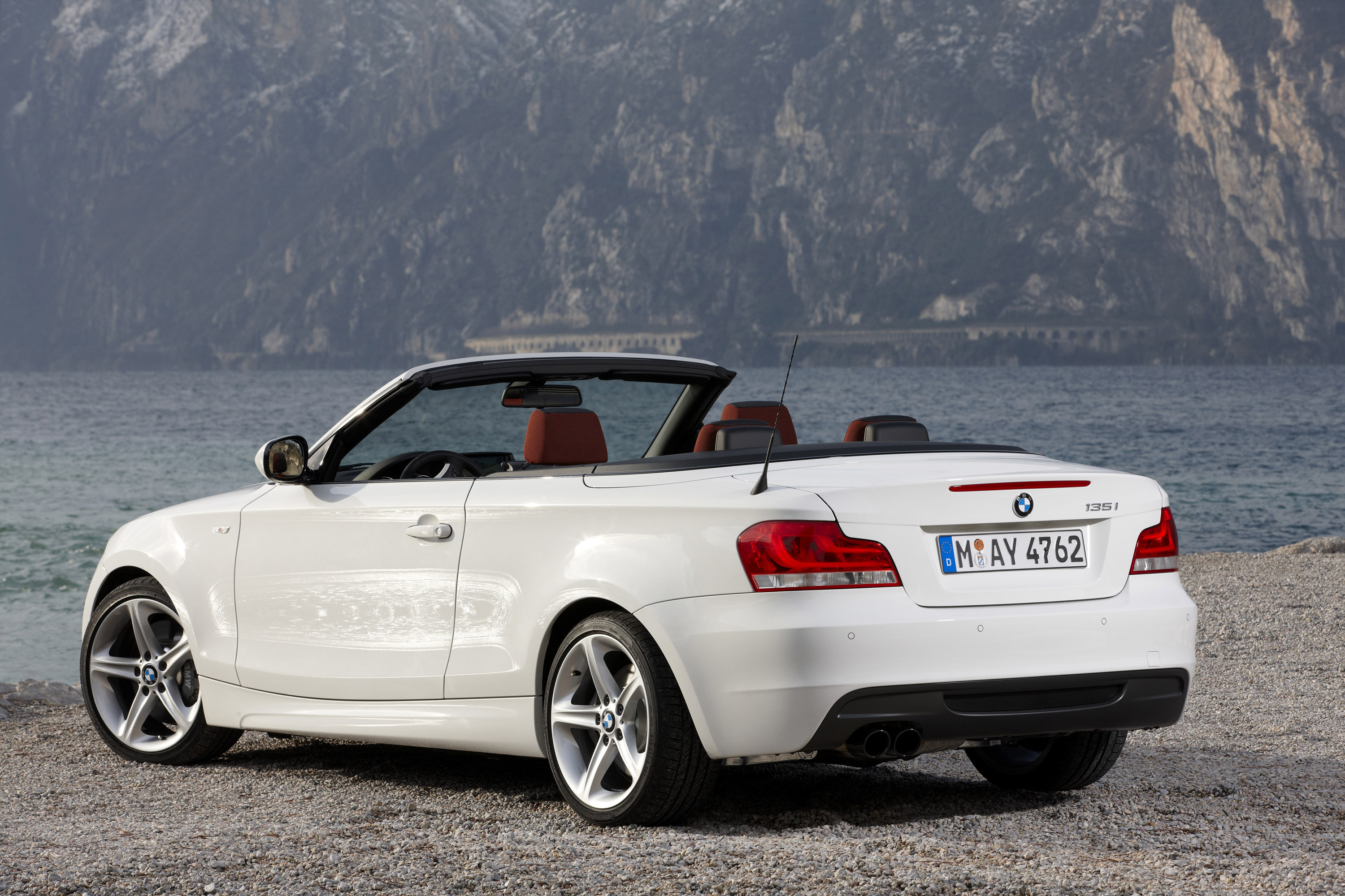 BMW Series Coupe And Convertible Facelift - 2011 bmw convertible