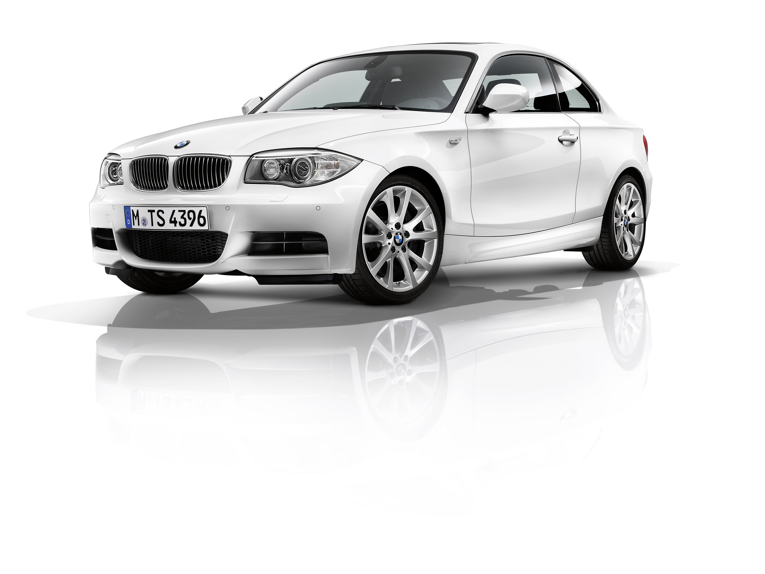 2011 bmw 1 series coupe picture 46680. Black Bedroom Furniture Sets. Home Design Ideas