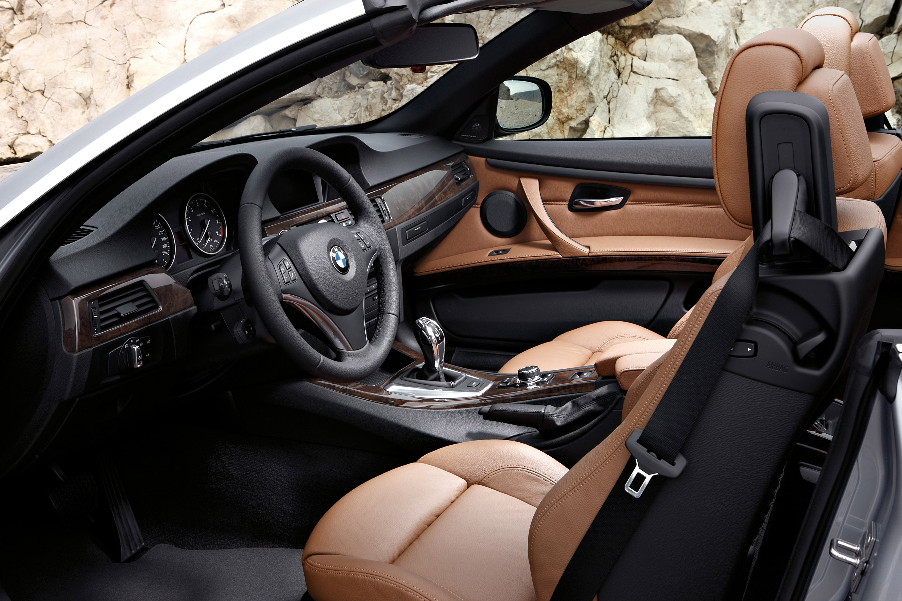 2011 bmw 3 series coupe and convertible - new style and engine