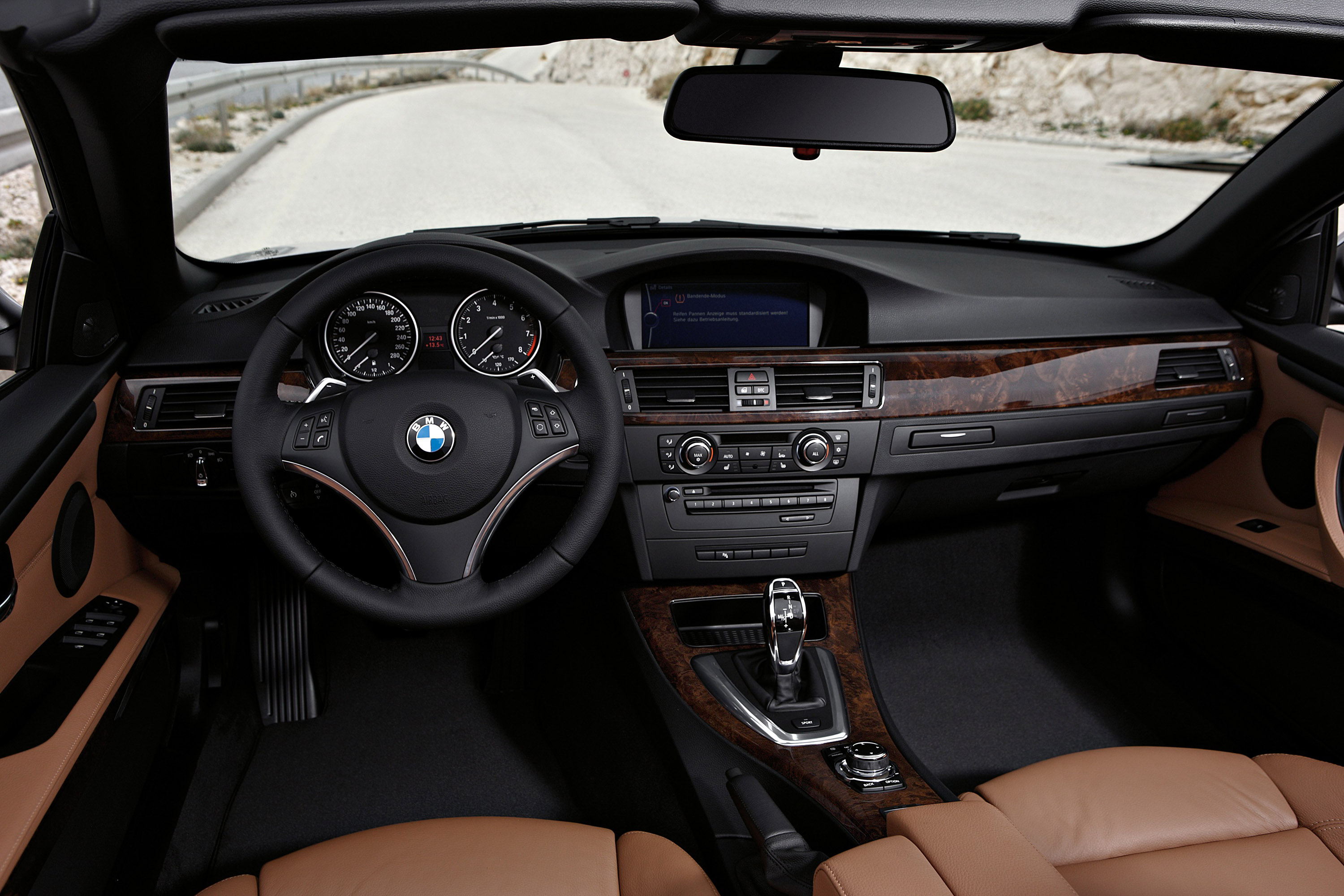 2011 BMW 3 Series Convertible - Picture 30352