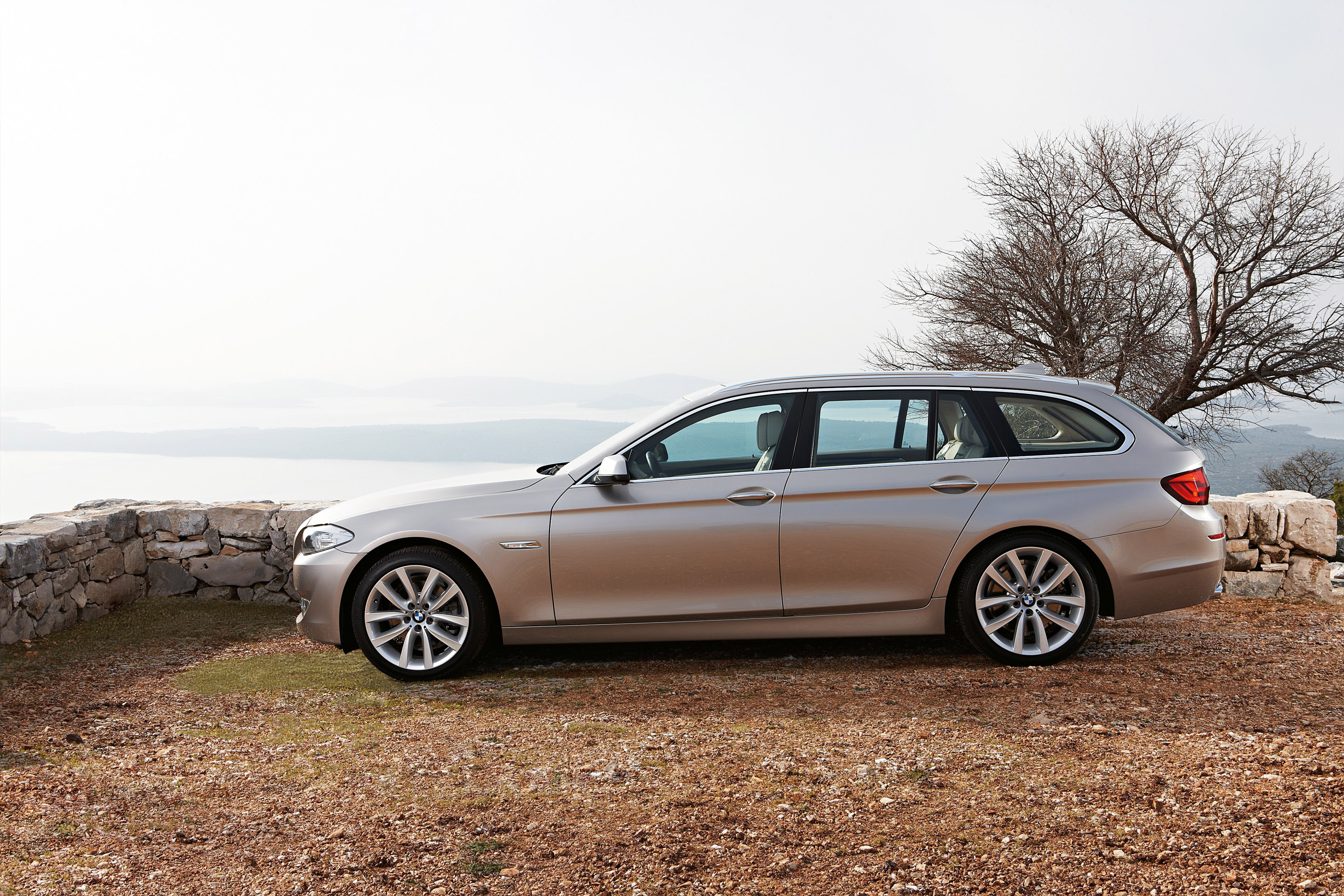 2011 BMW 5 Series Touring - Picture 35846