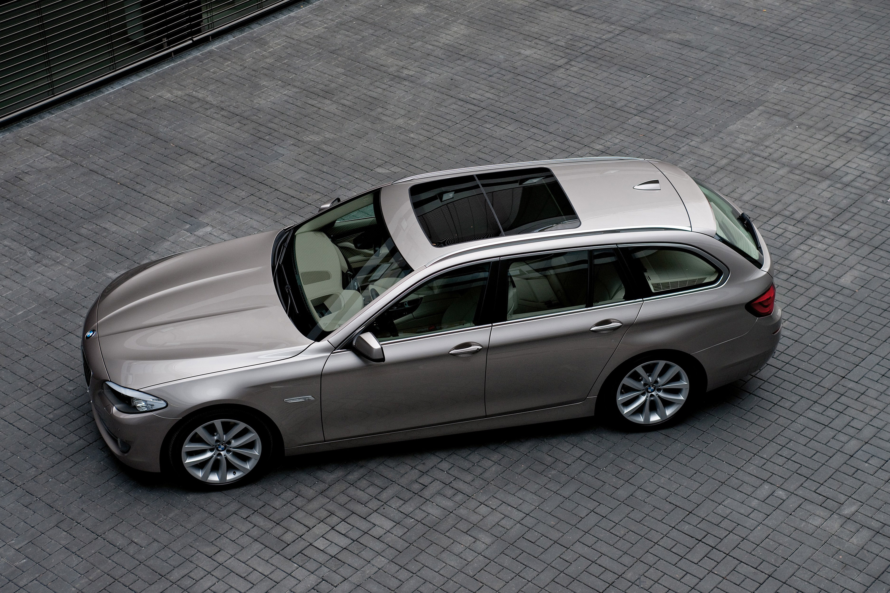 2011 Bmw 5 Series Touring Picture 35829