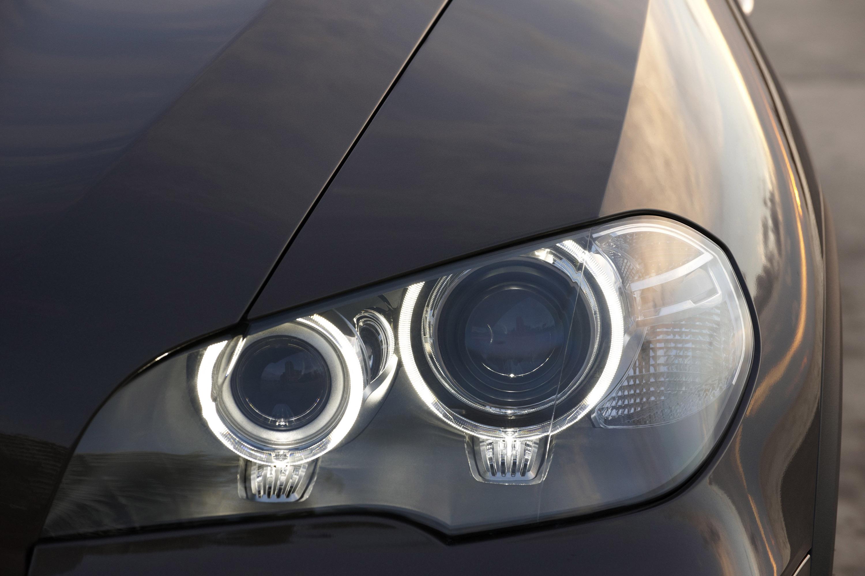 https://www.automobilesreview.com/gallery/2011-bmw-x5/2011-bmw-x5-029.jpg