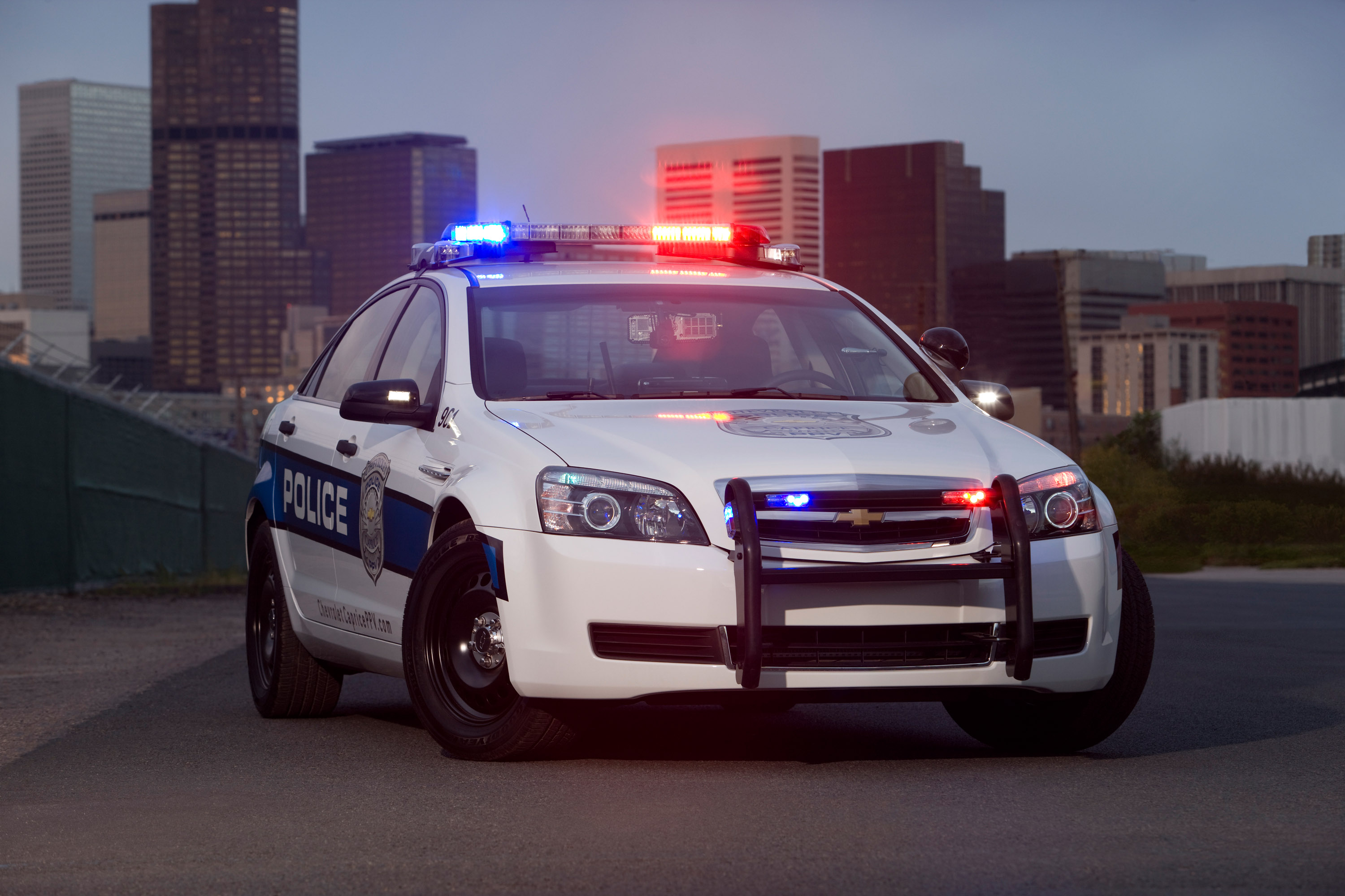 watch out 2011 chevrolet caprice police car with 355 horsepower. Black Bedroom Furniture Sets. Home Design Ideas