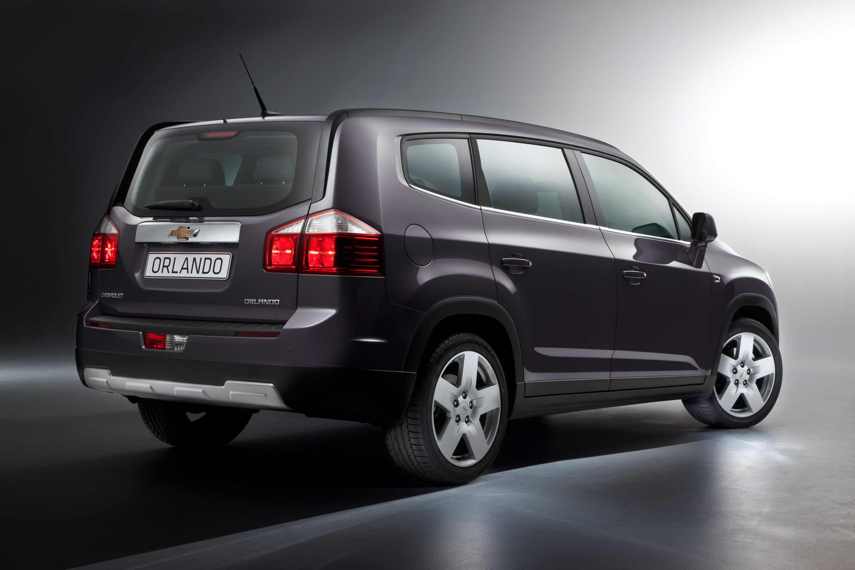 Electronic Stability Control >> Chevrolet to reveal the Orlando MPV at Paris 2010