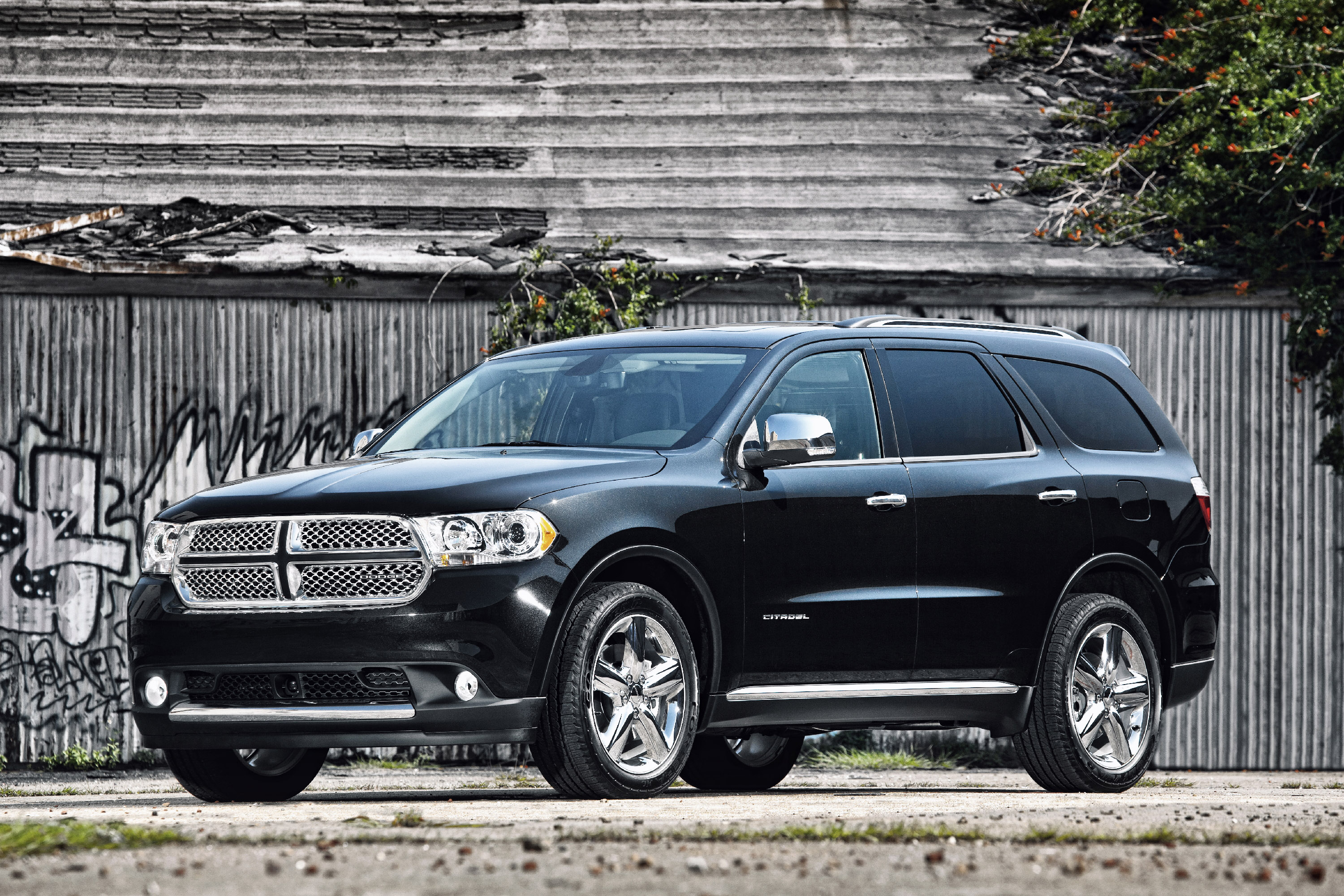 2011 dodge durango excellent choice for family vehicle. Black Bedroom Furniture Sets. Home Design Ideas