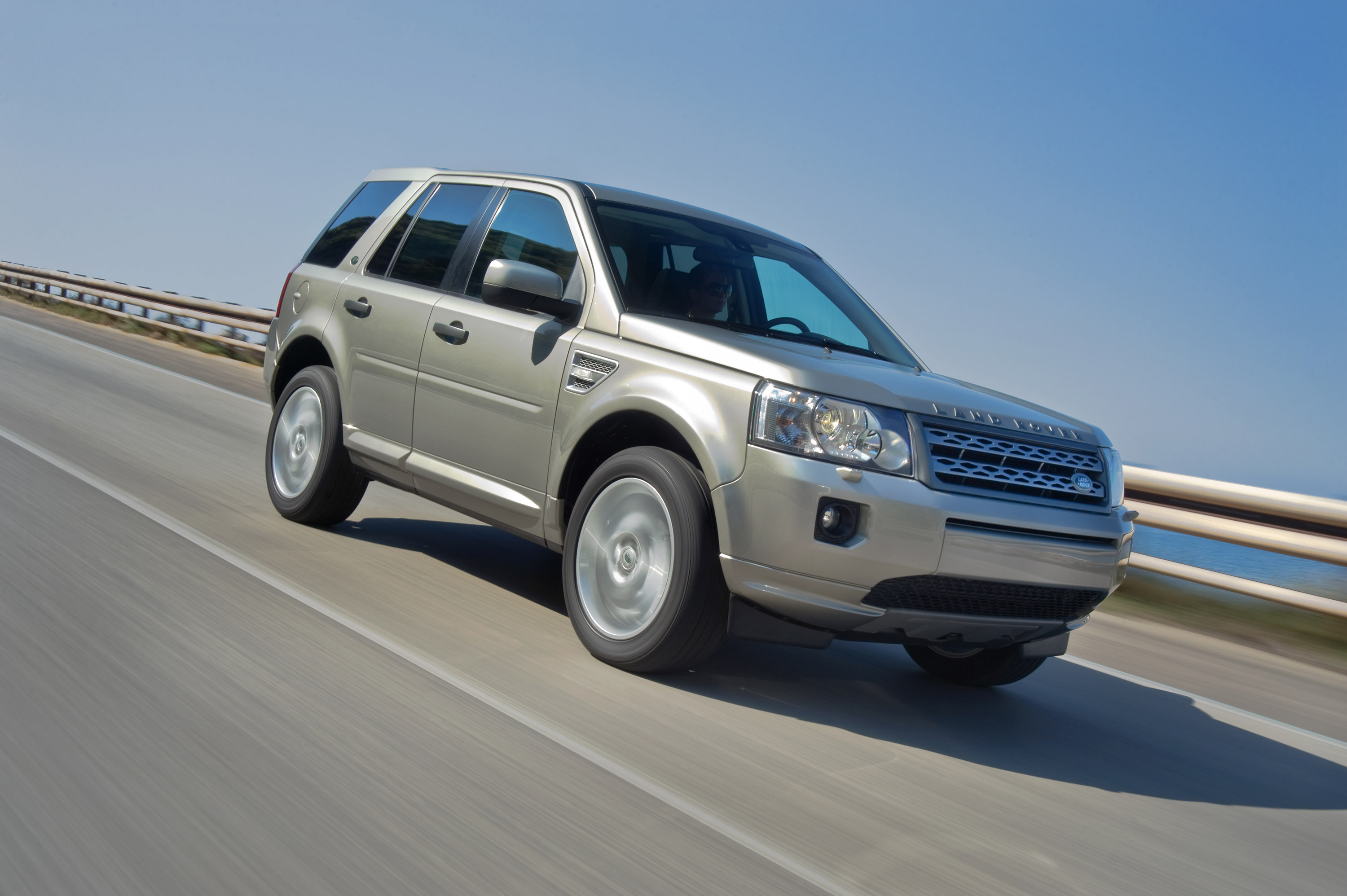 2011 Land Rover Freelander 2 - full details and specification