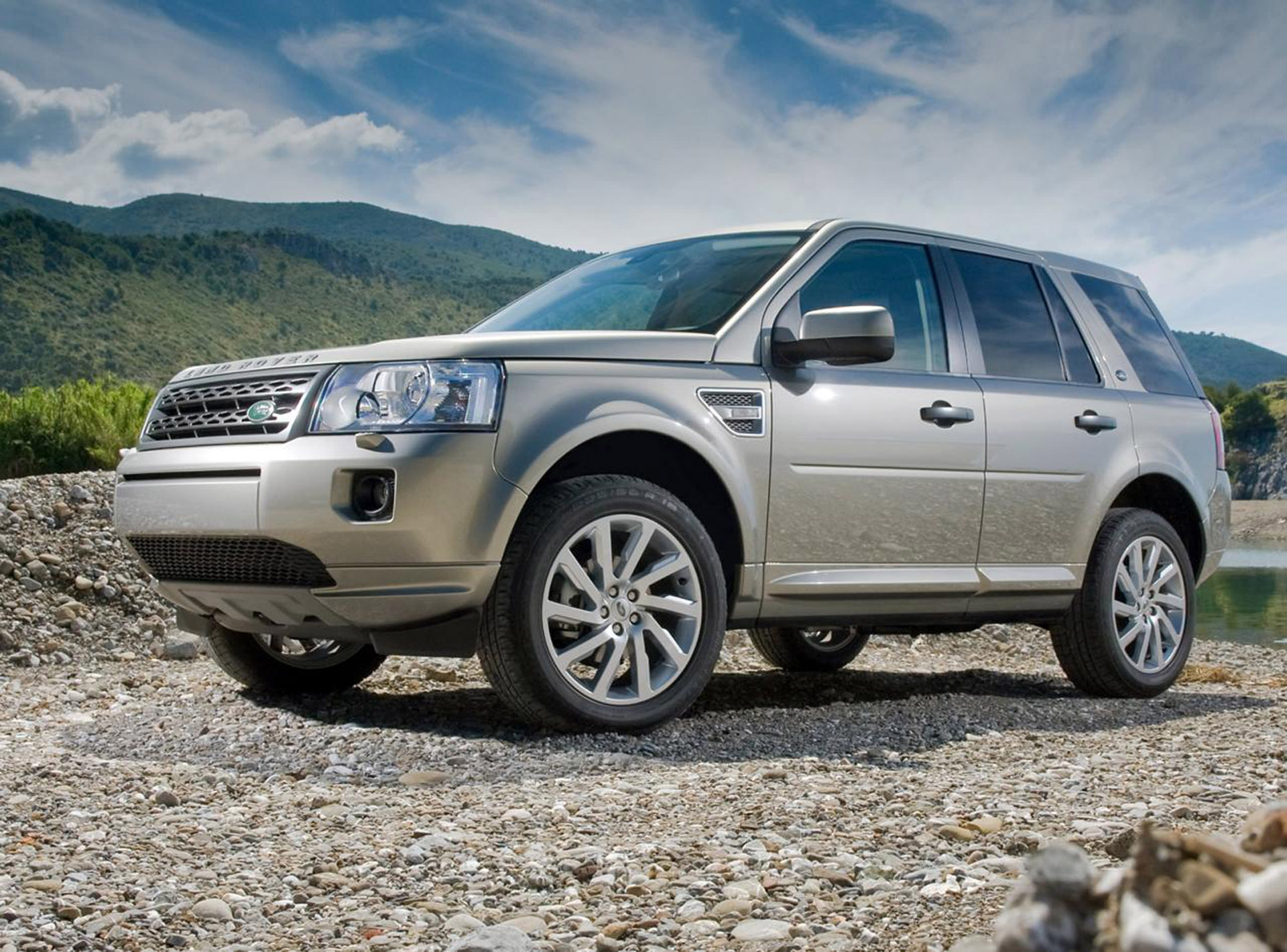 2011 land rover freelander 2 full details and specification. Black Bedroom Furniture Sets. Home Design Ideas