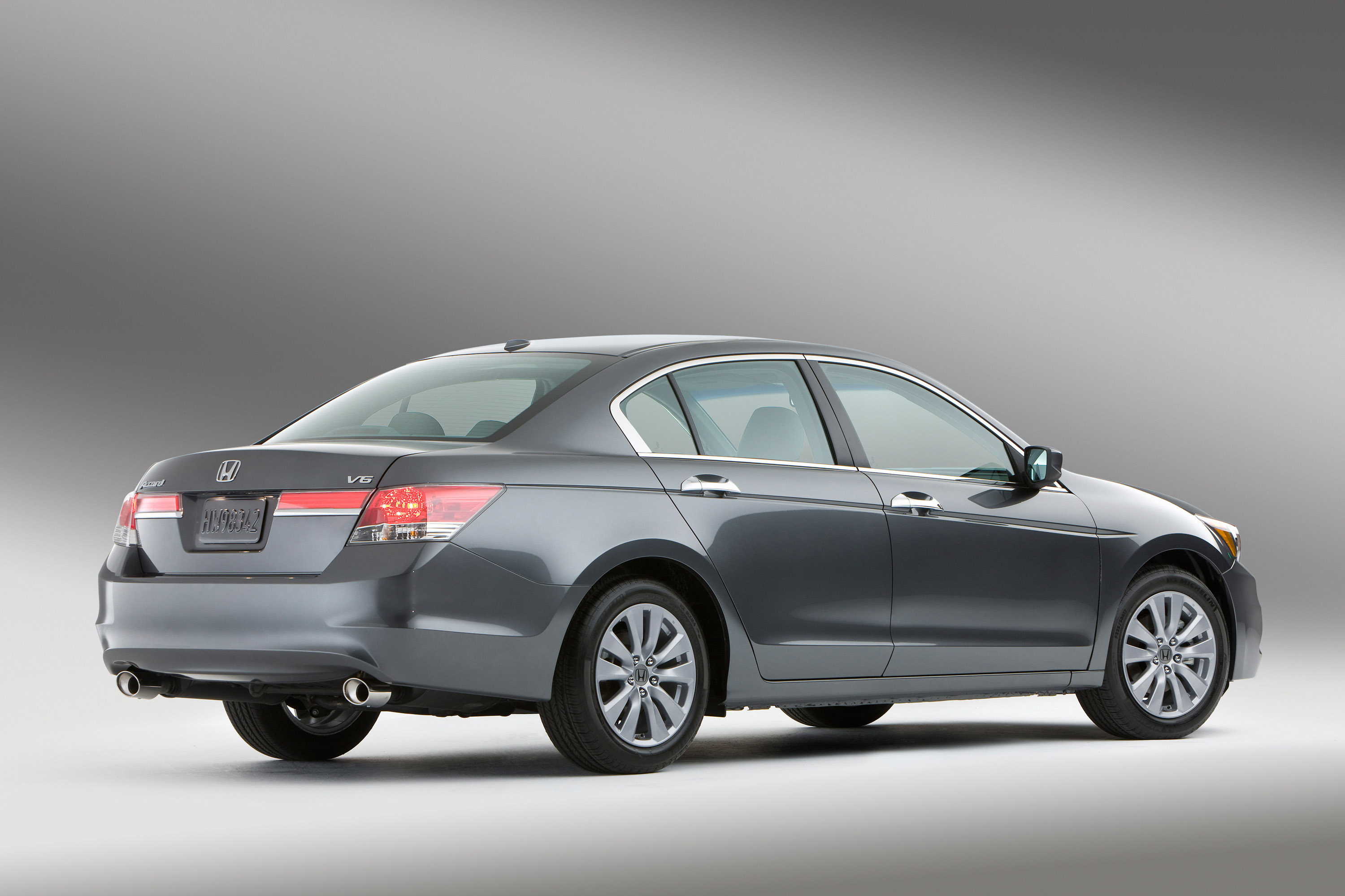 Honda Restyles The Accord For 2011