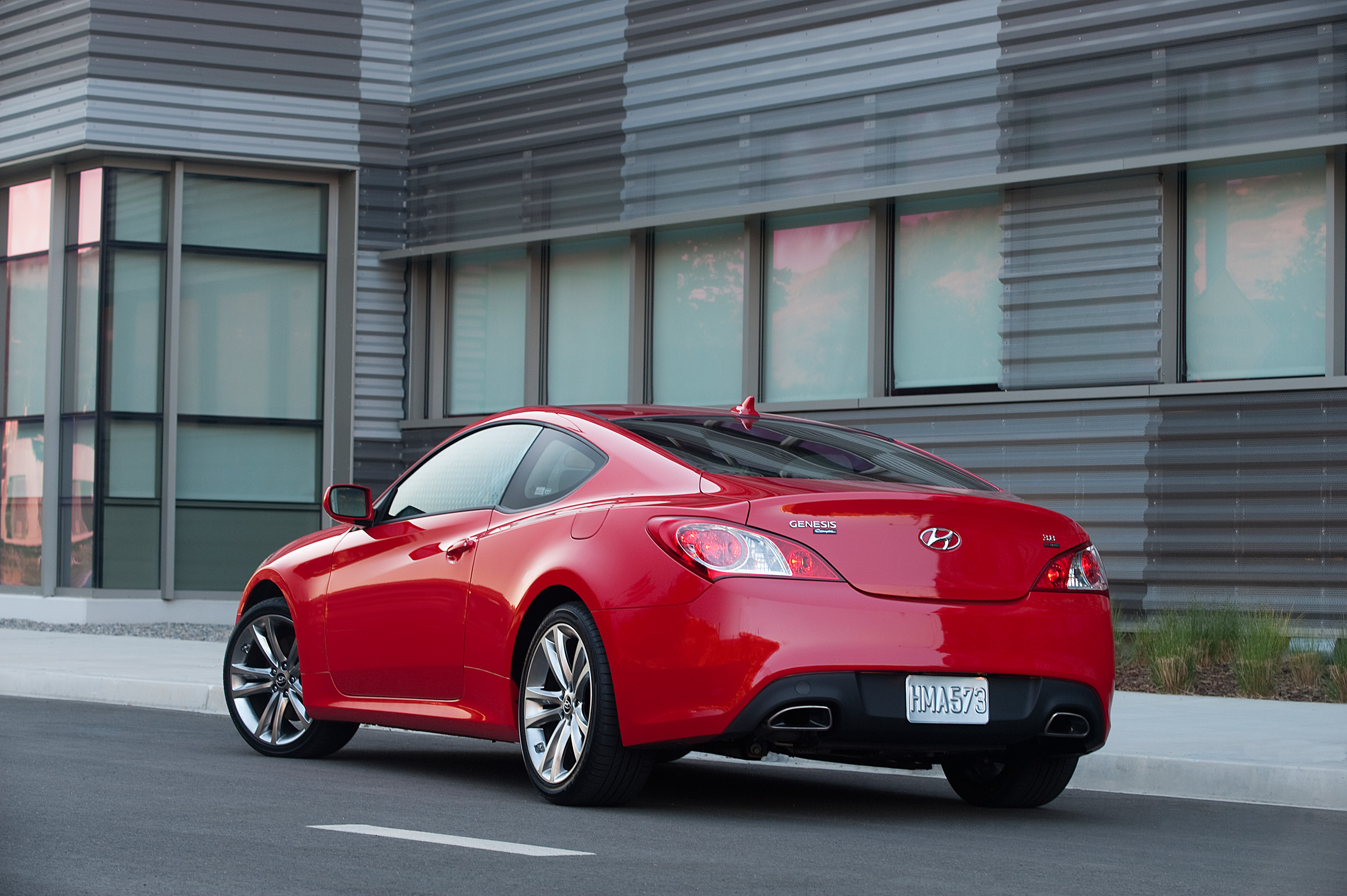 2011 hyundai genesis coupe 3 8 r spec priced for the us. Black Bedroom Furniture Sets. Home Design Ideas