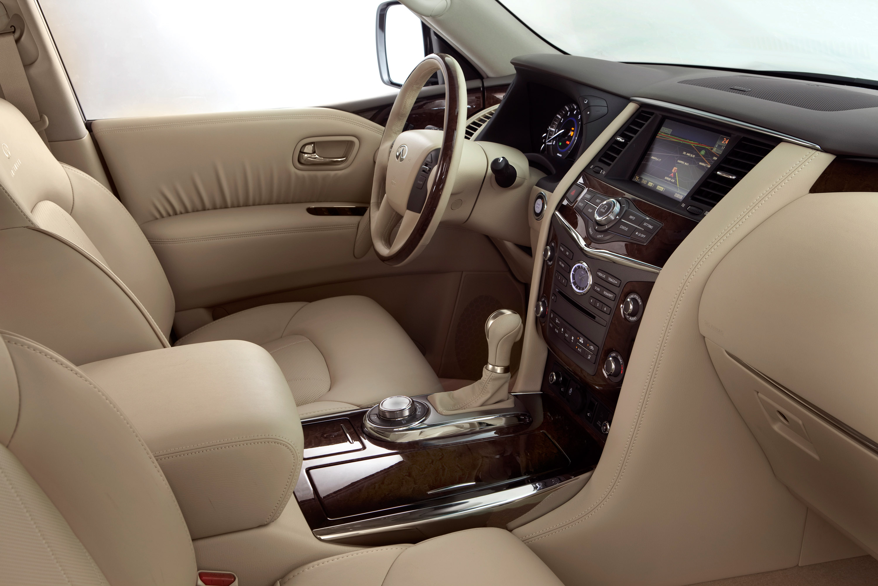 Infiniti shows its 2011 qx56 high end suv 2011 infiniti qx56 vanachro Image collections