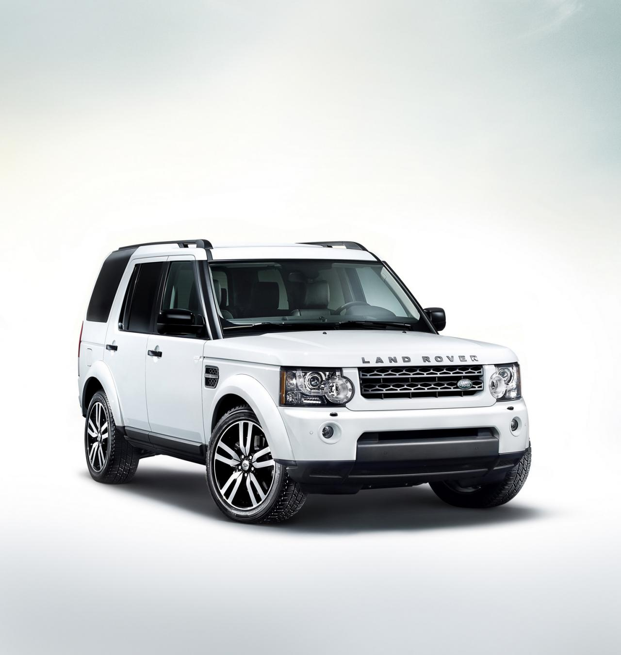https://www.automobilesreview.com/gallery/2011-land-rover-discovery-4-landmark-special-edition/2011-land-rover-discovery-4-landmark-special-edition-02.jpg
