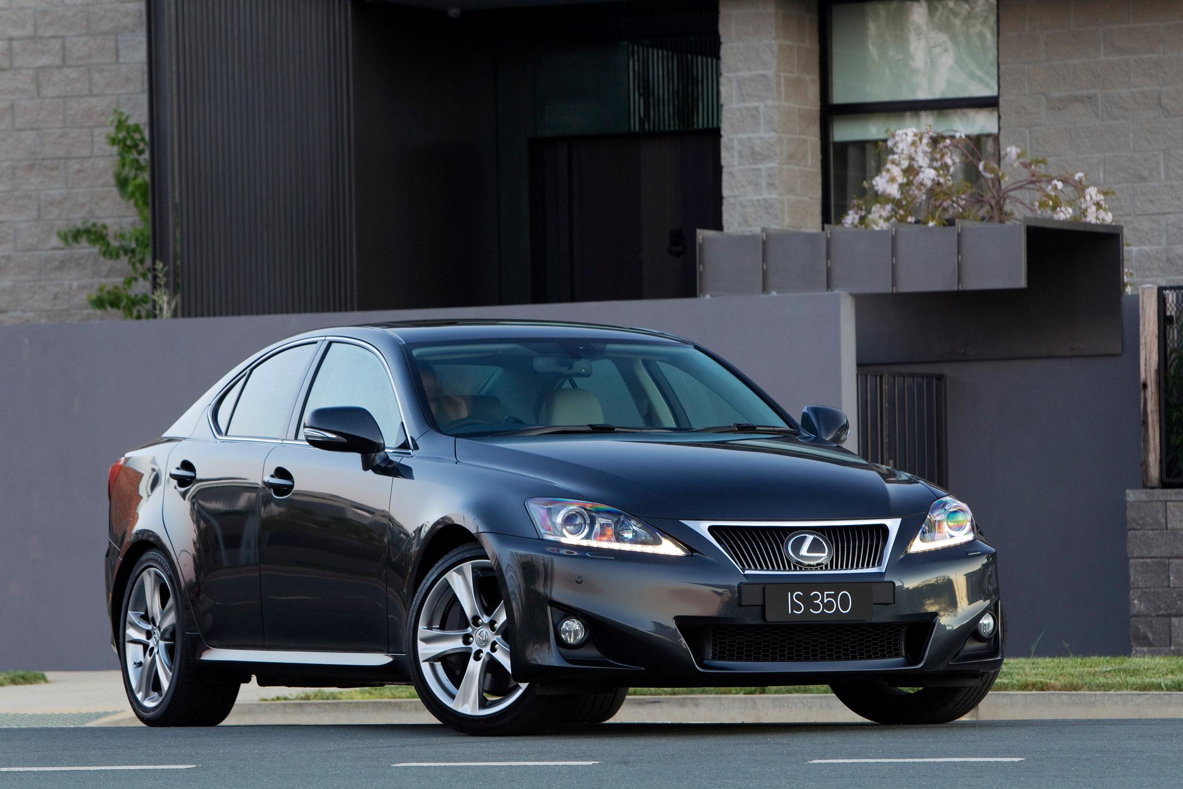 lexus is 350 sedan debuts on the australian market. Black Bedroom Furniture Sets. Home Design Ideas