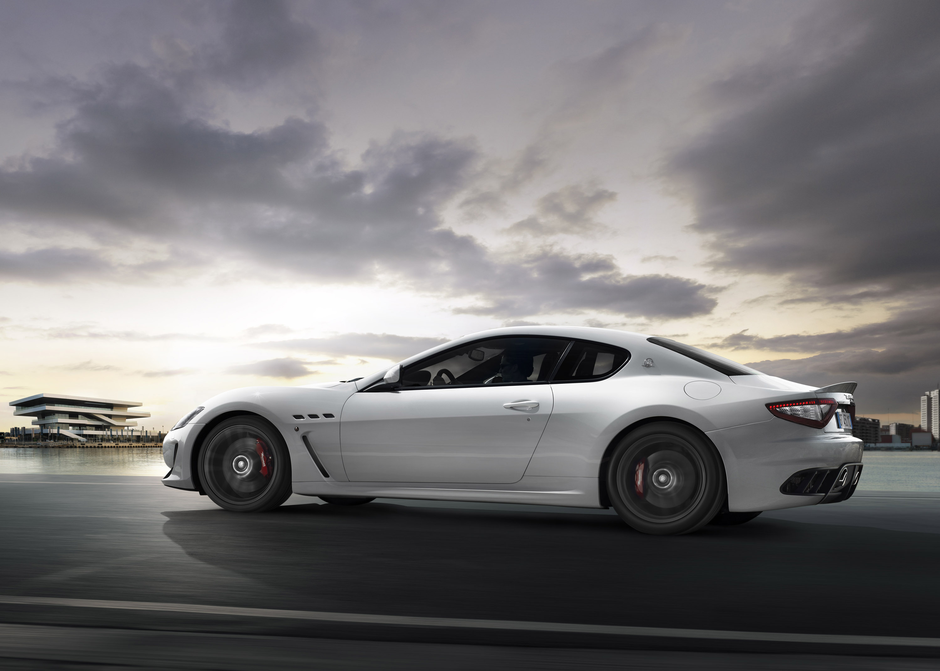 maserati granturismo mc stradale uk debut. Black Bedroom Furniture Sets. Home Design Ideas