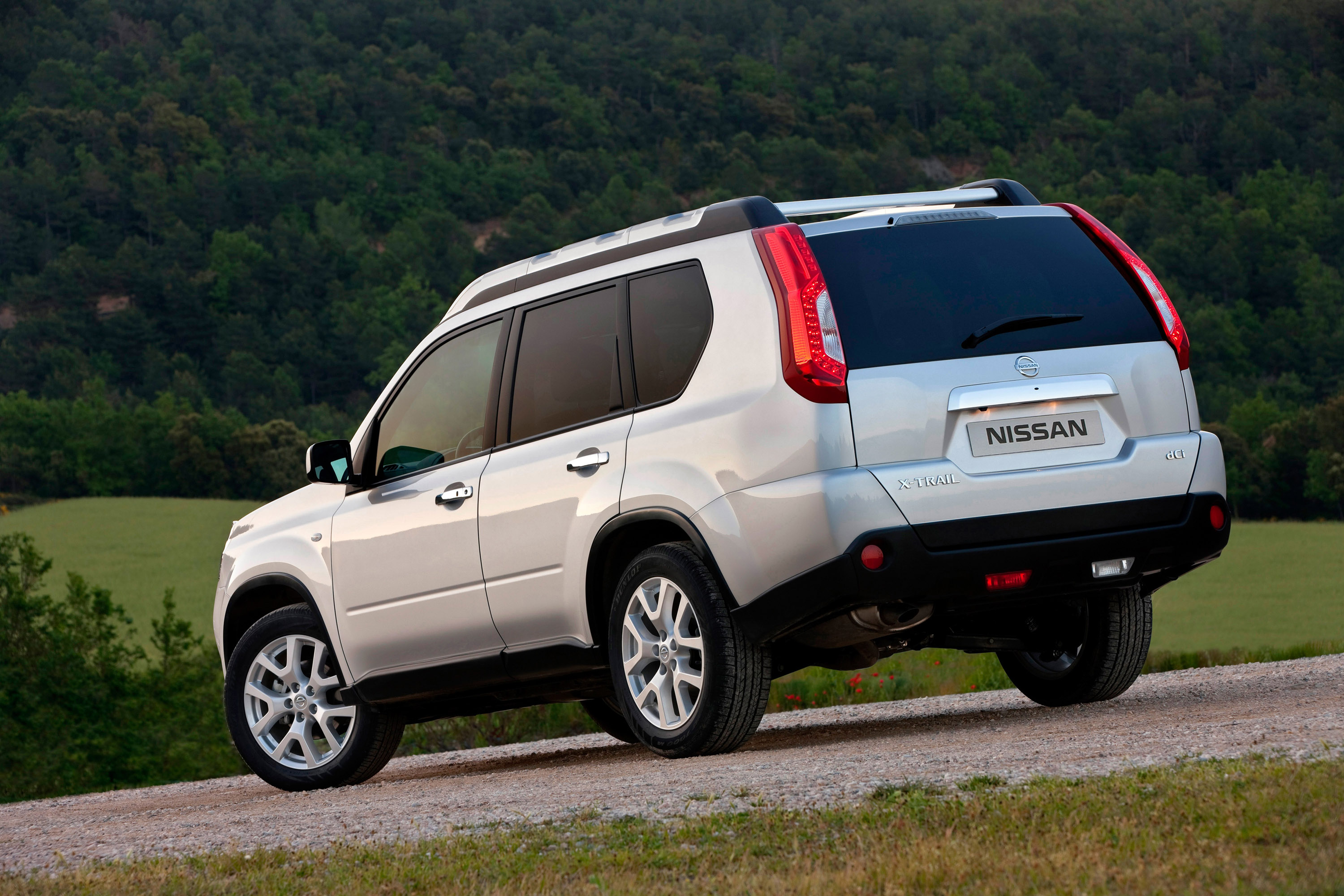 2011 nissan x trail now offers better value for money. Black Bedroom Furniture Sets. Home Design Ideas