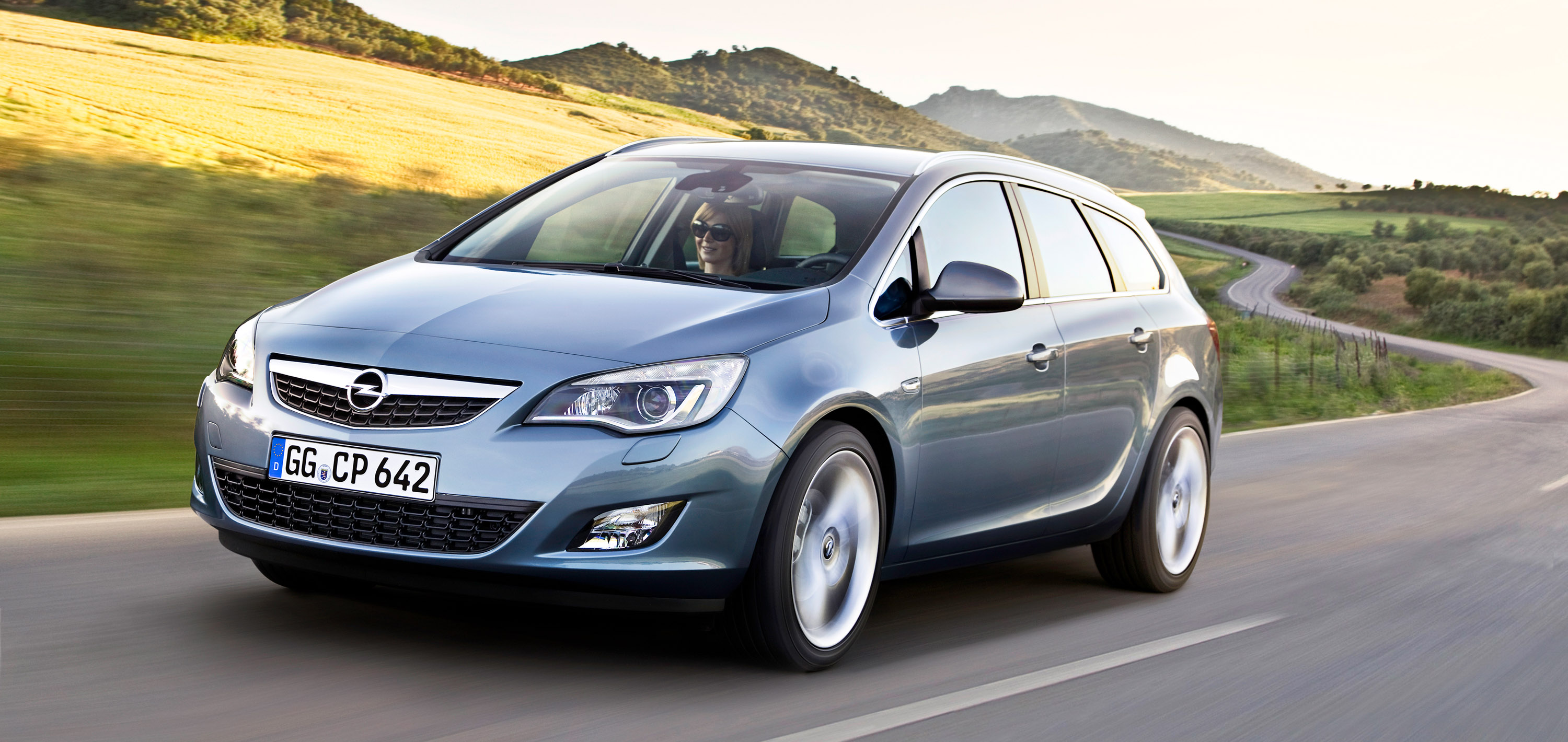 Captivating ... 2011 Opel Astra Sports Tourer, ...
