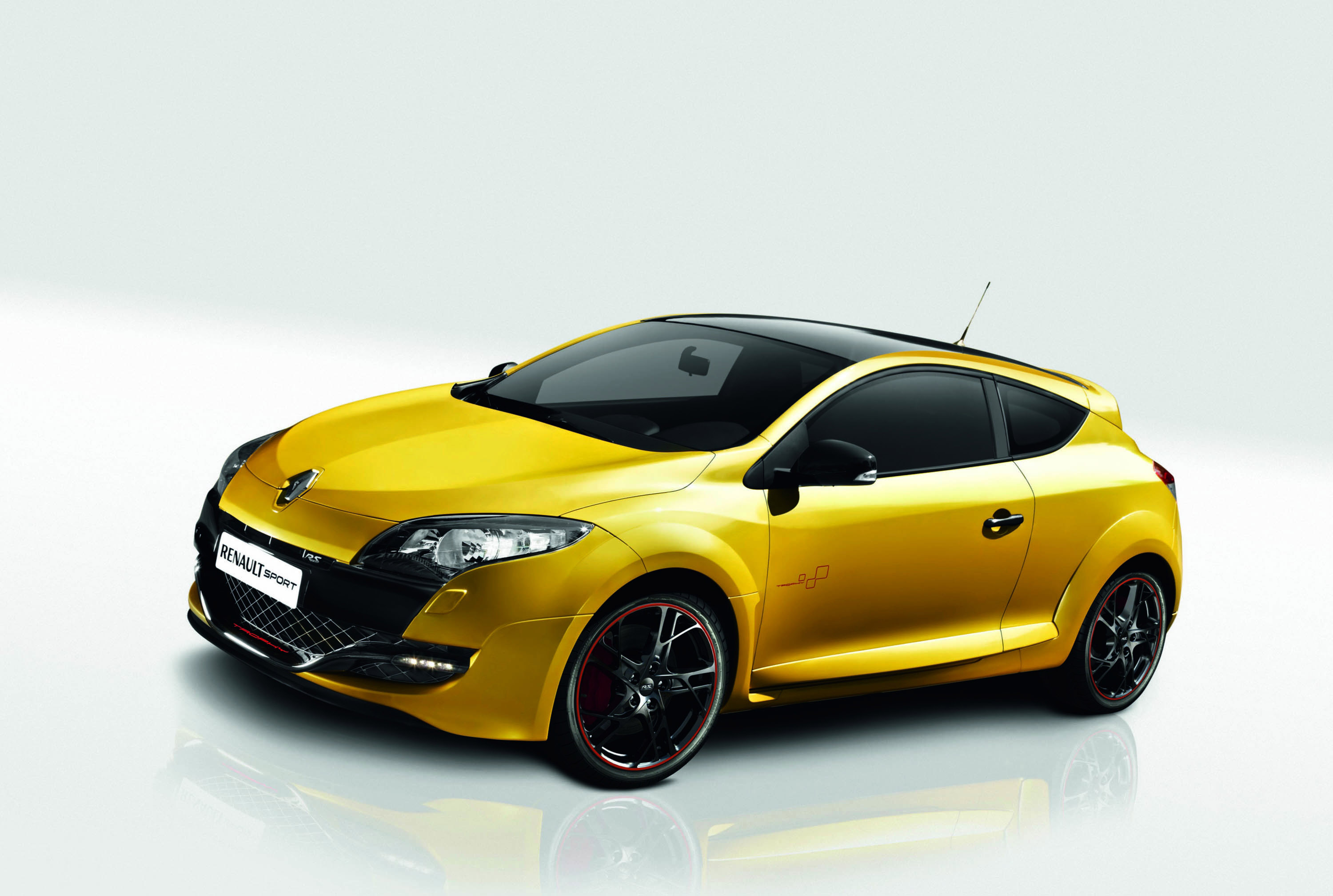 renault megane rs trophy with akrapovic exhaust. Black Bedroom Furniture Sets. Home Design Ideas
