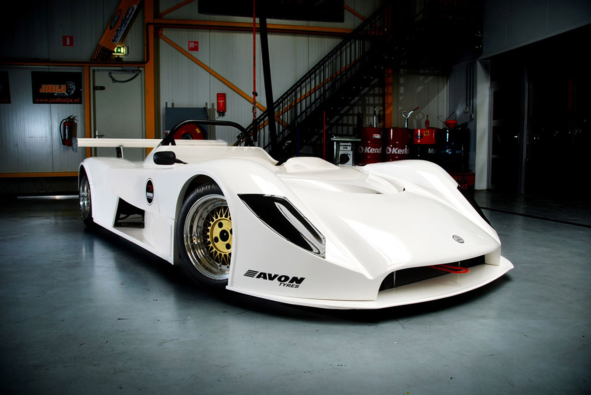 Saker RapX and Sniper - race cars for ordinary customers