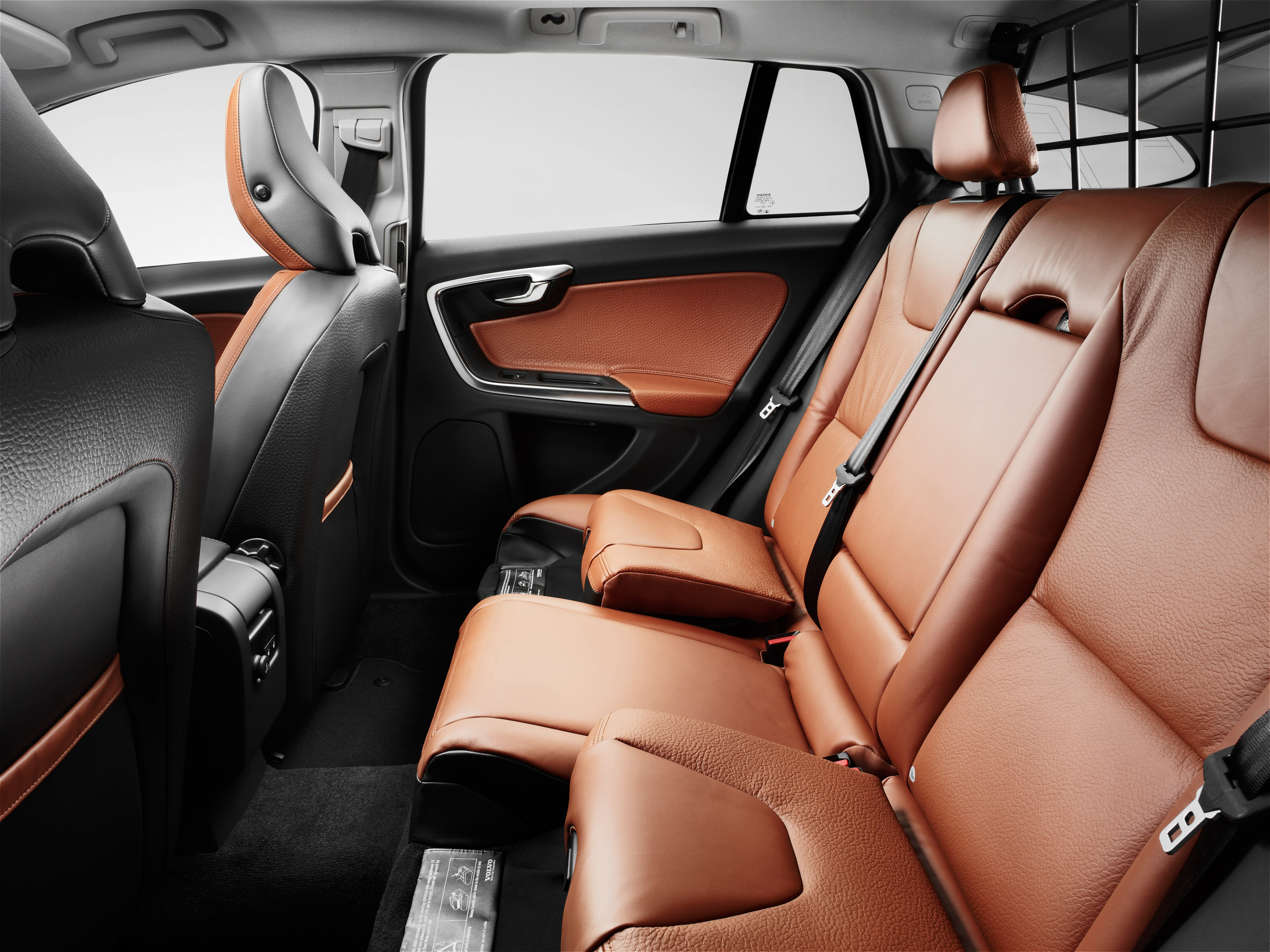 Volvo v60 sports wagon full details pricing and specifications 2011 volvo v60 sciox Gallery