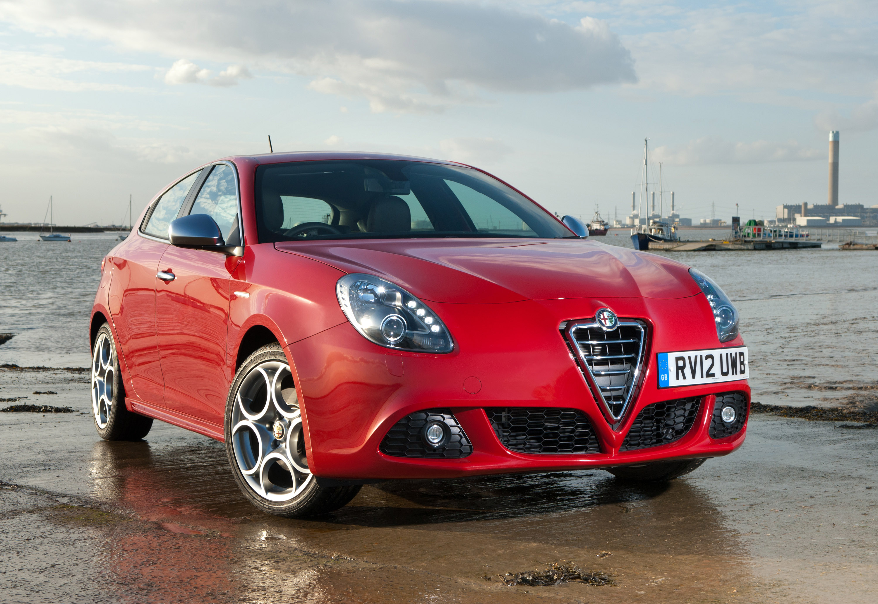 alfa romeo giulietta with tct transmission. Black Bedroom Furniture Sets. Home Design Ideas
