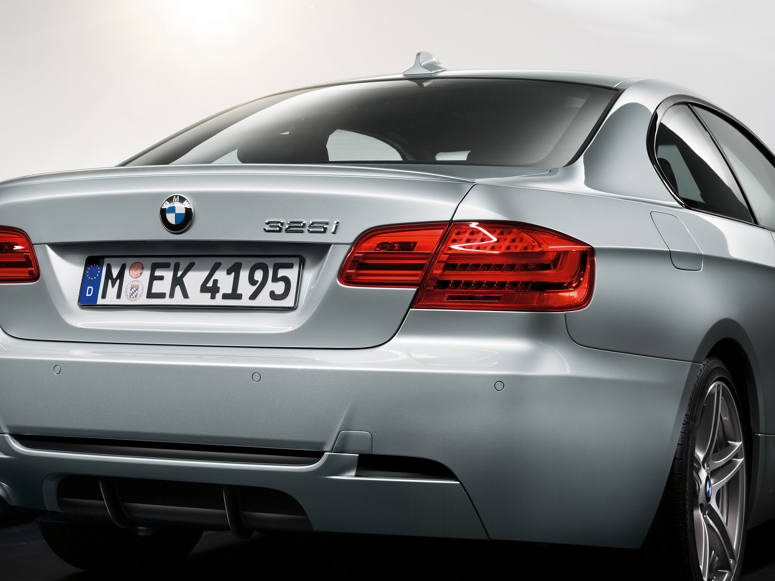 2012 bmw 3 series edition exclusive and m sport edition. Black Bedroom Furniture Sets. Home Design Ideas