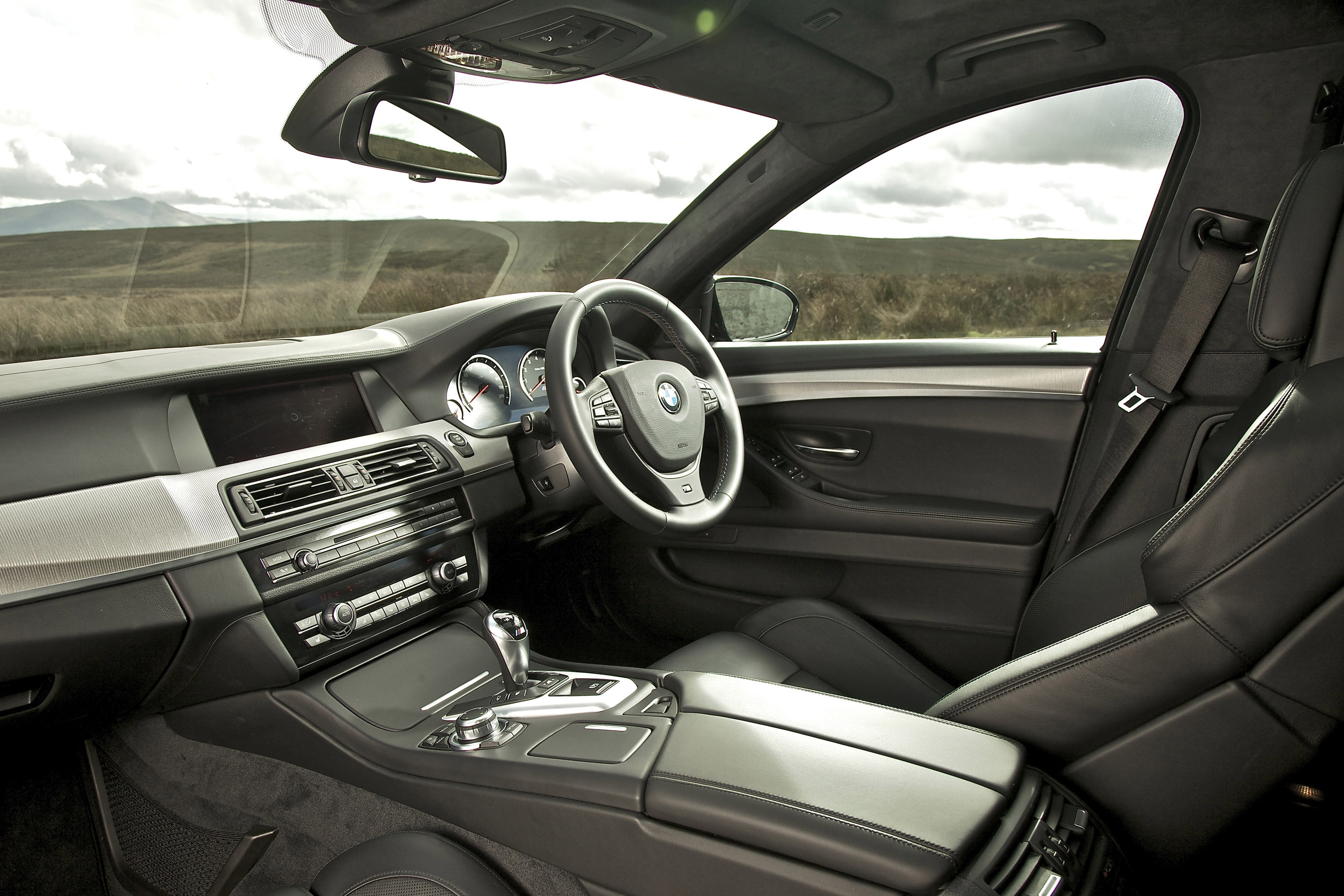 2012 BMW F10 M5 Saloon UK - Picture 60747