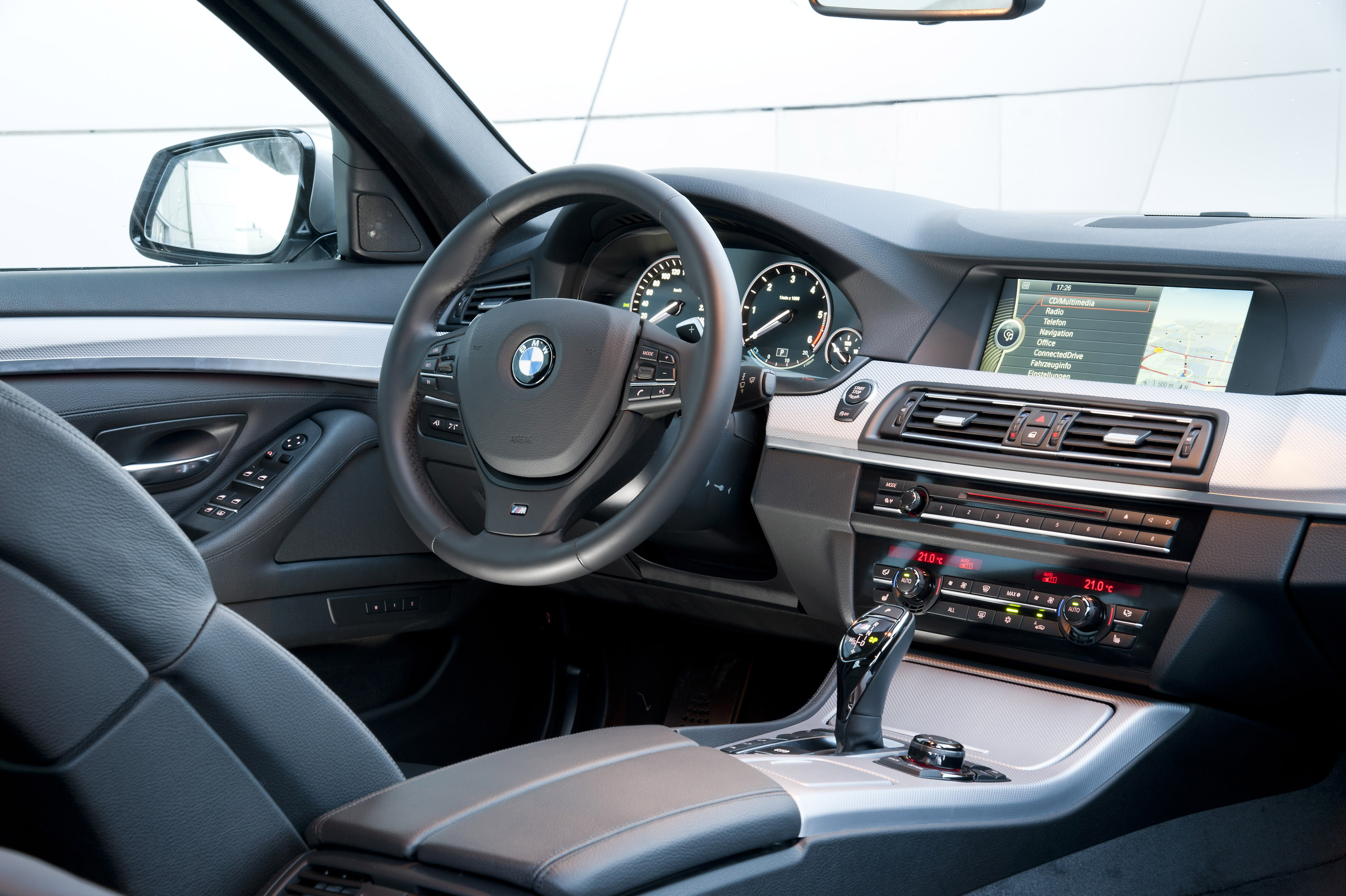 2012 bmw m550d xdrive picture 69586 for Interieur sport
