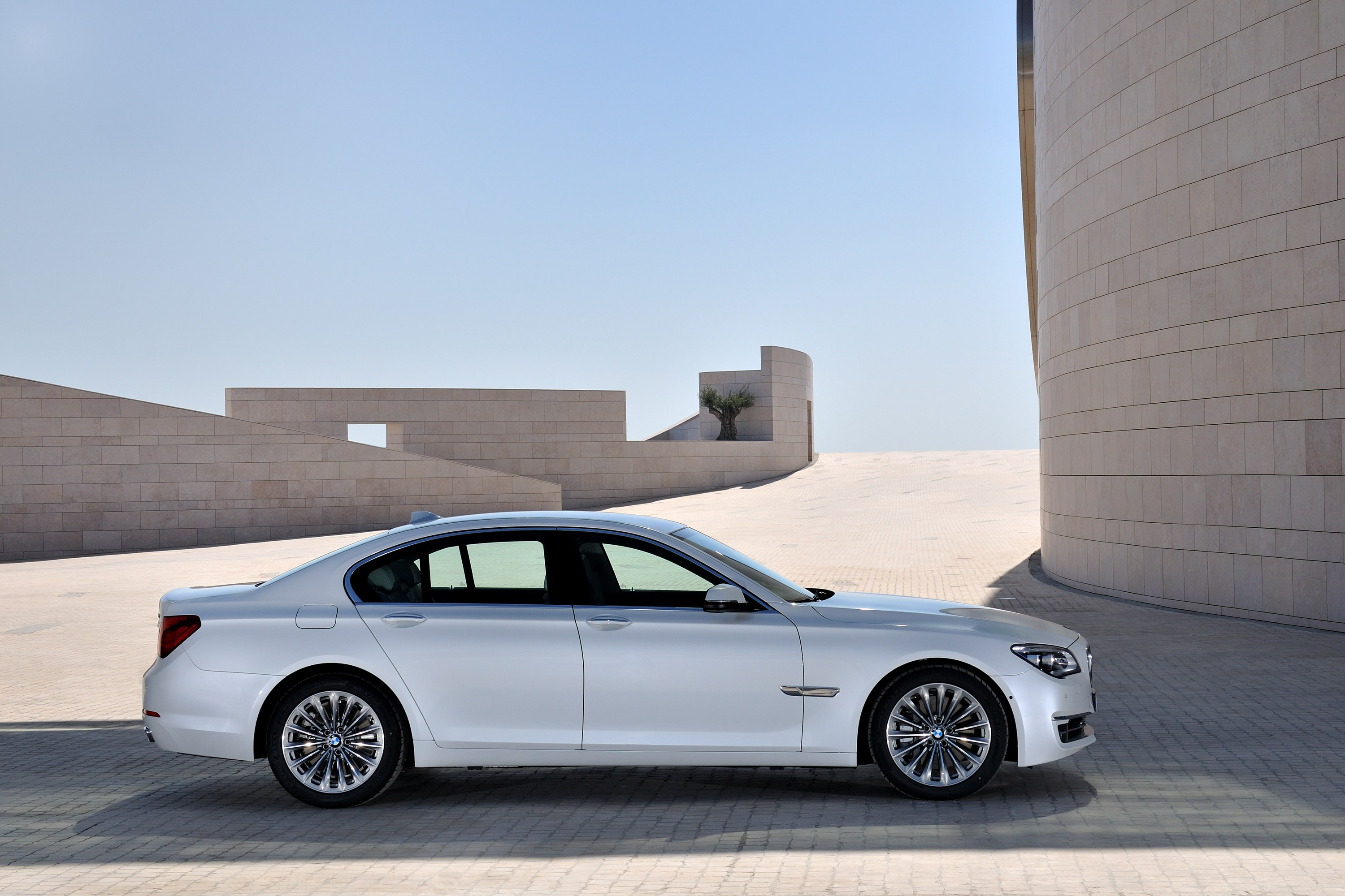 2013 BMW Series 7 6 Of 21