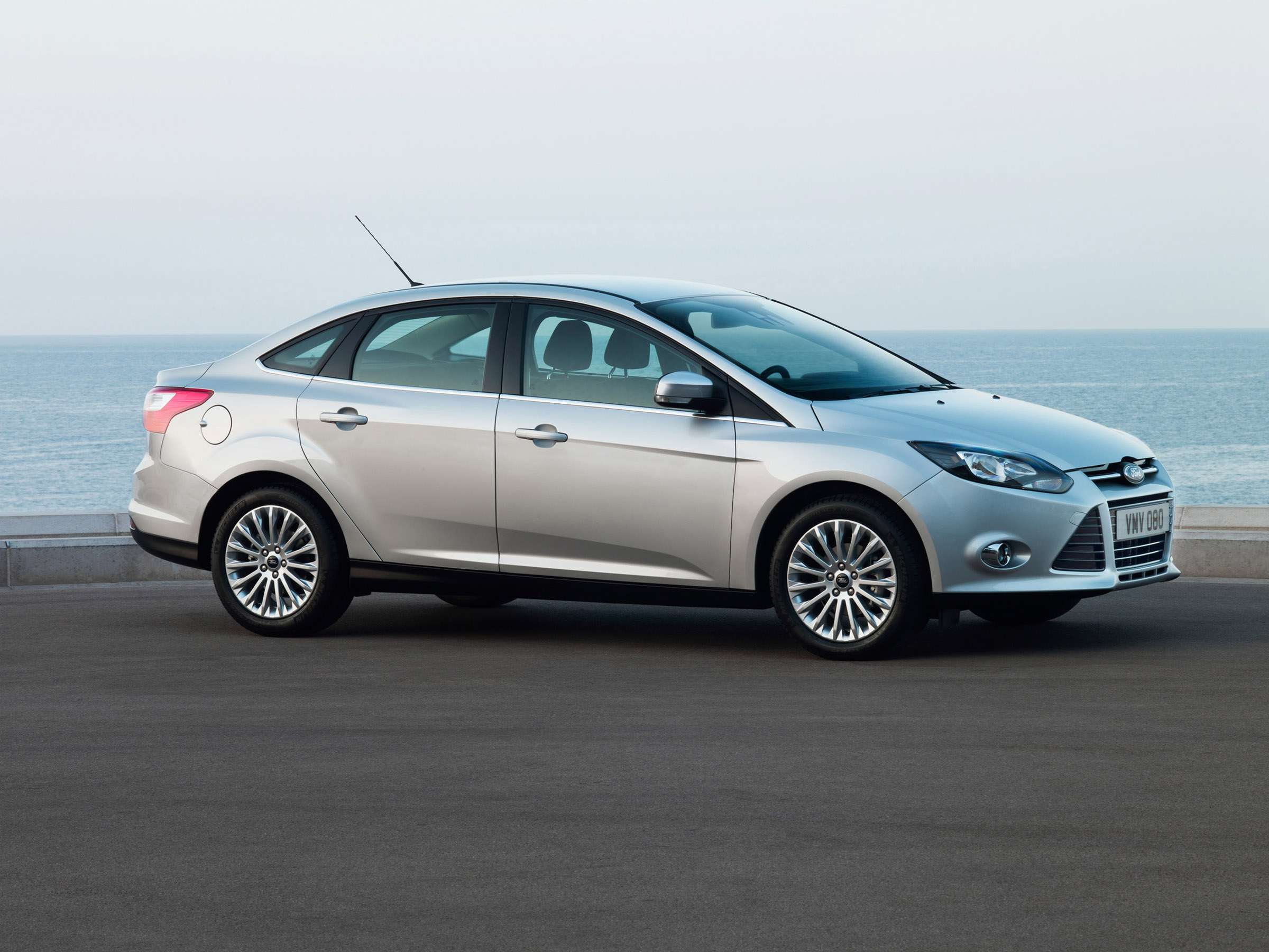 2012 ford focus gets exclusive handling packs. Black Bedroom Furniture Sets. Home Design Ideas
