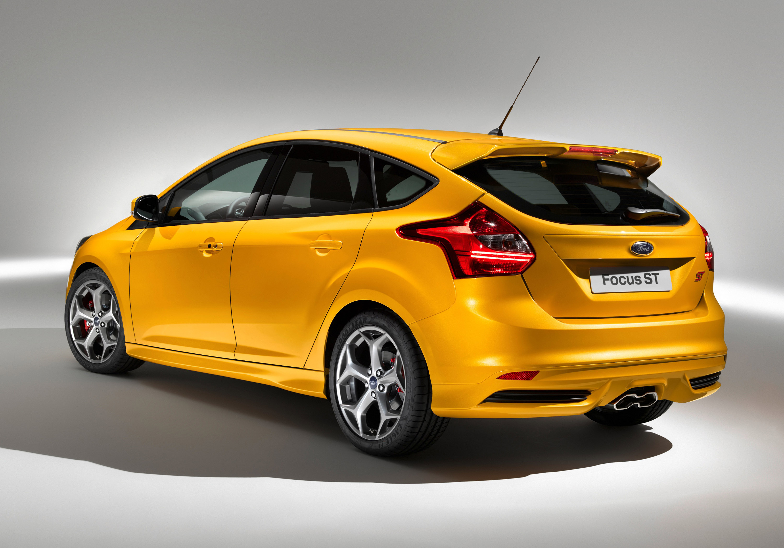 2012 Ford Focus ST 5door and Wagon