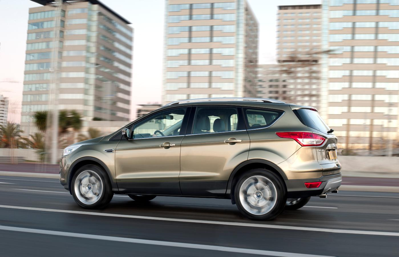 2012 ford kuga the stylish and spacious compact suv. Black Bedroom Furniture Sets. Home Design Ideas