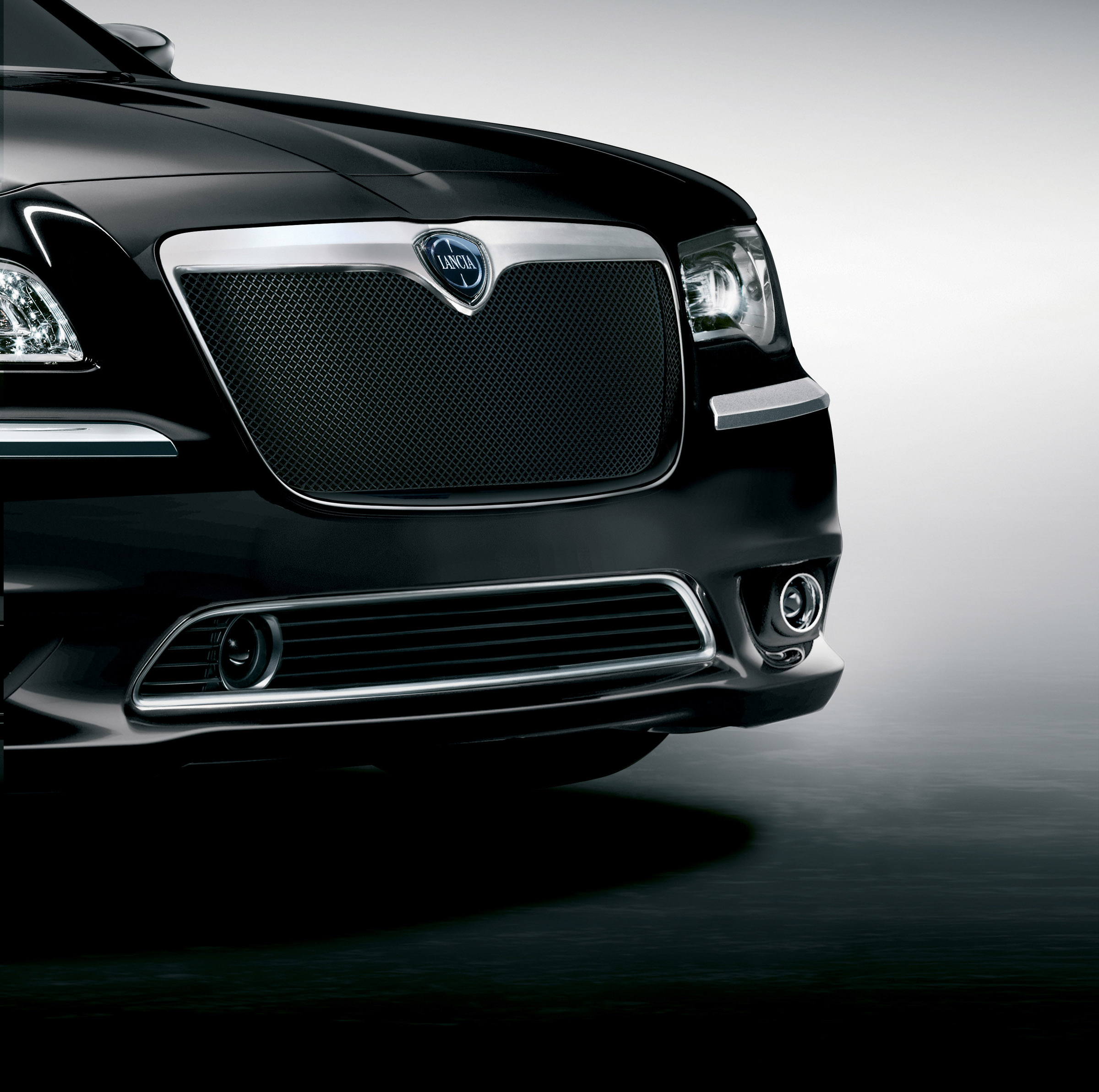 2012 Lancia Thema And Voyager Accessories