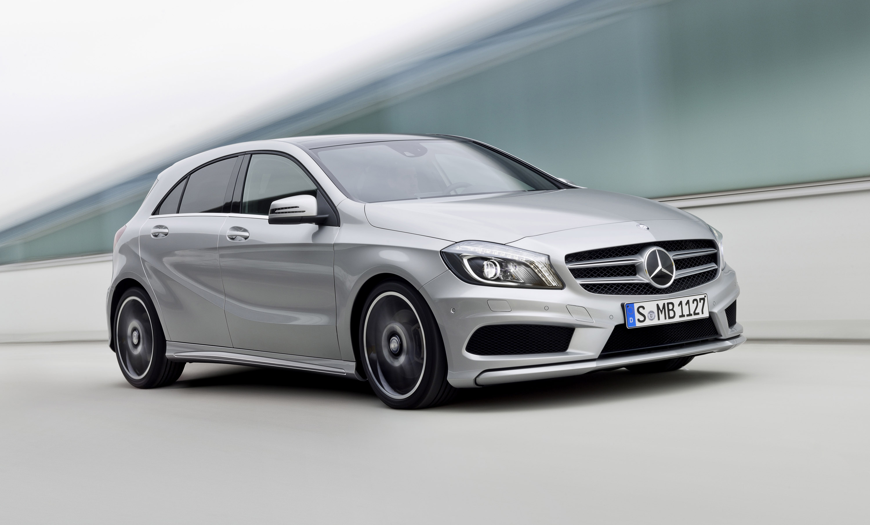 Mercedes benz a class wins auto bild design award for Mercedes benz a class price