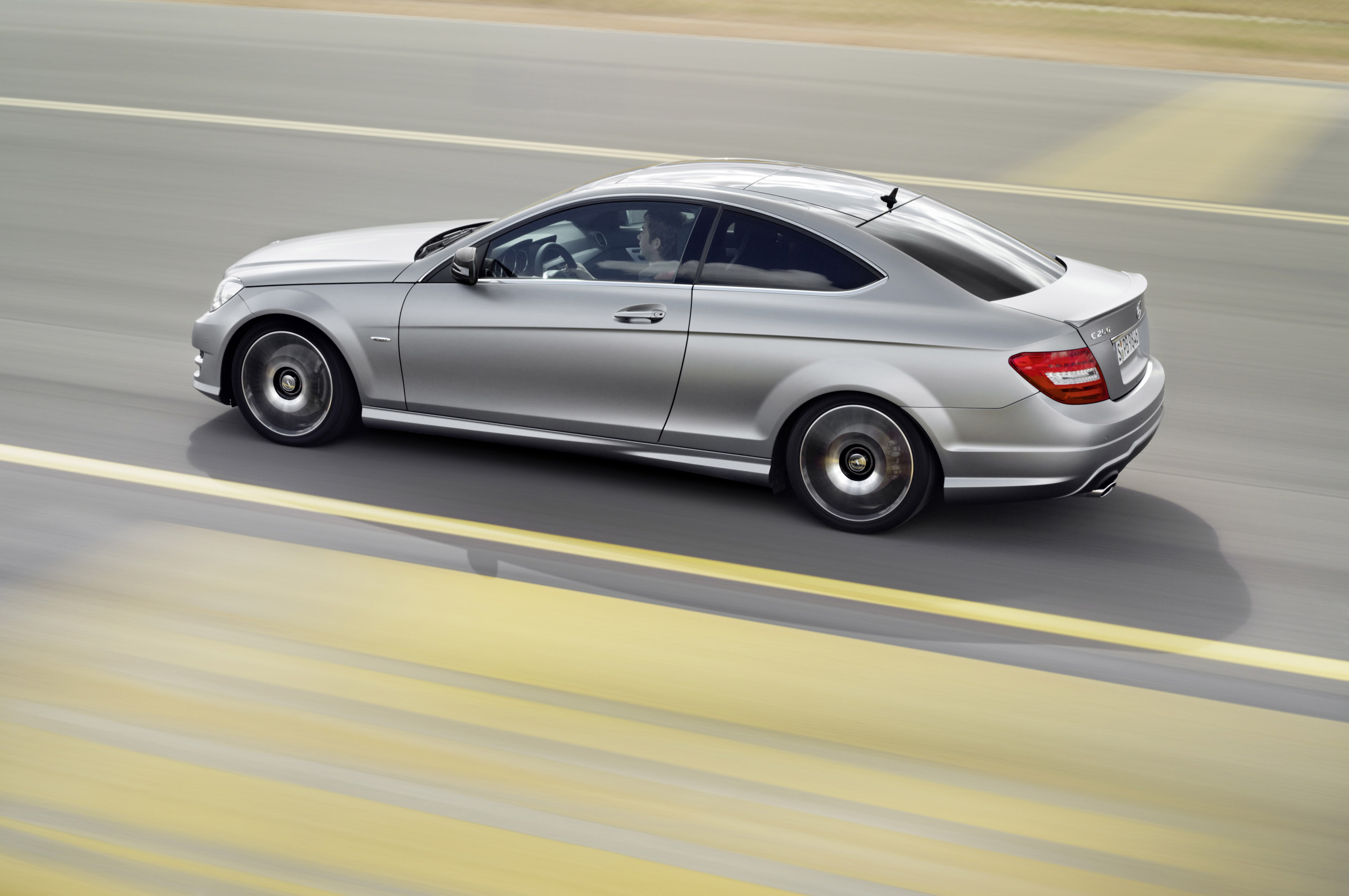 Mercedes benz upgrades c class e class and slk models for Mercedes benz c250 performance upgrades