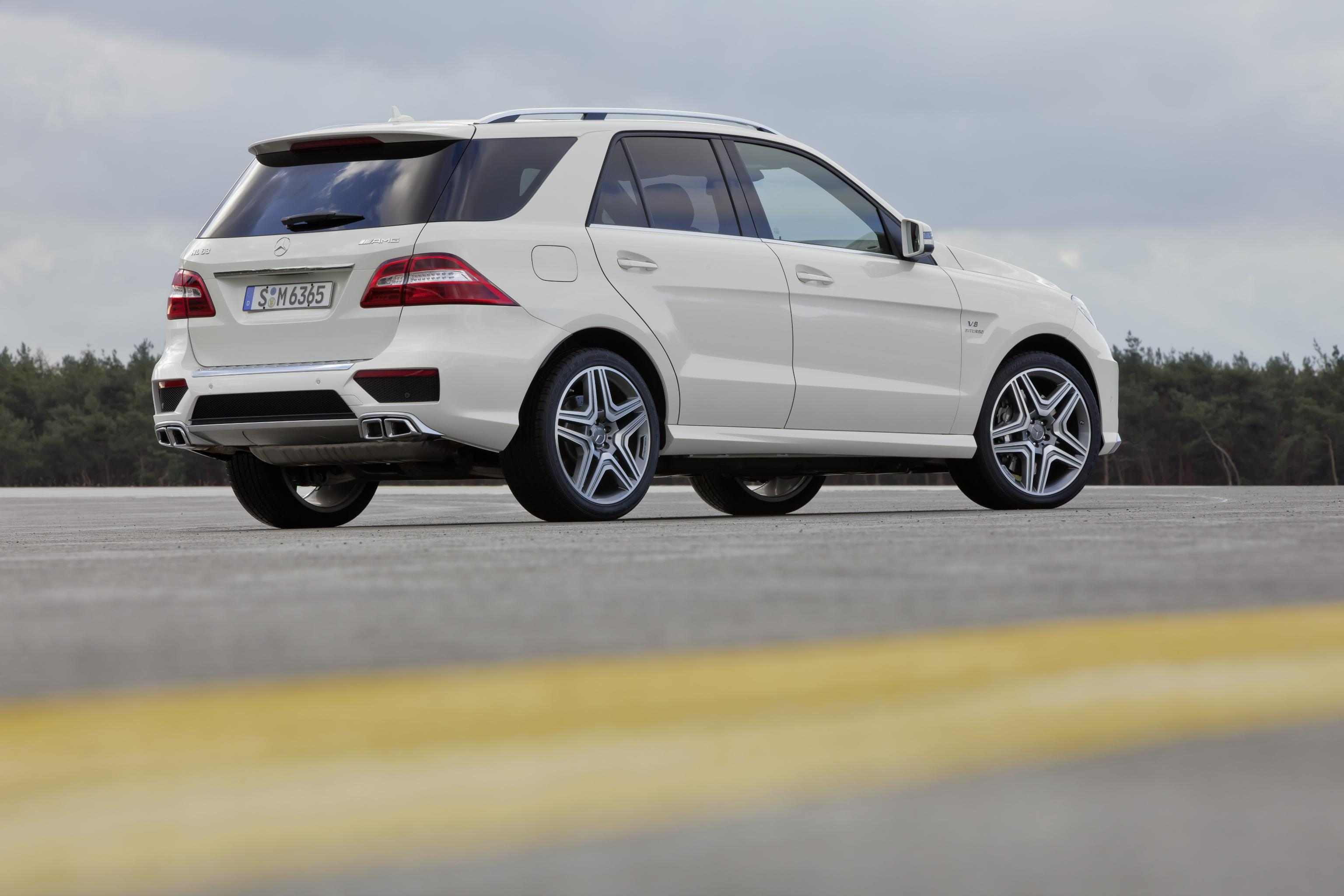 2012 Mercedes Benz ML 63 AMG Picture