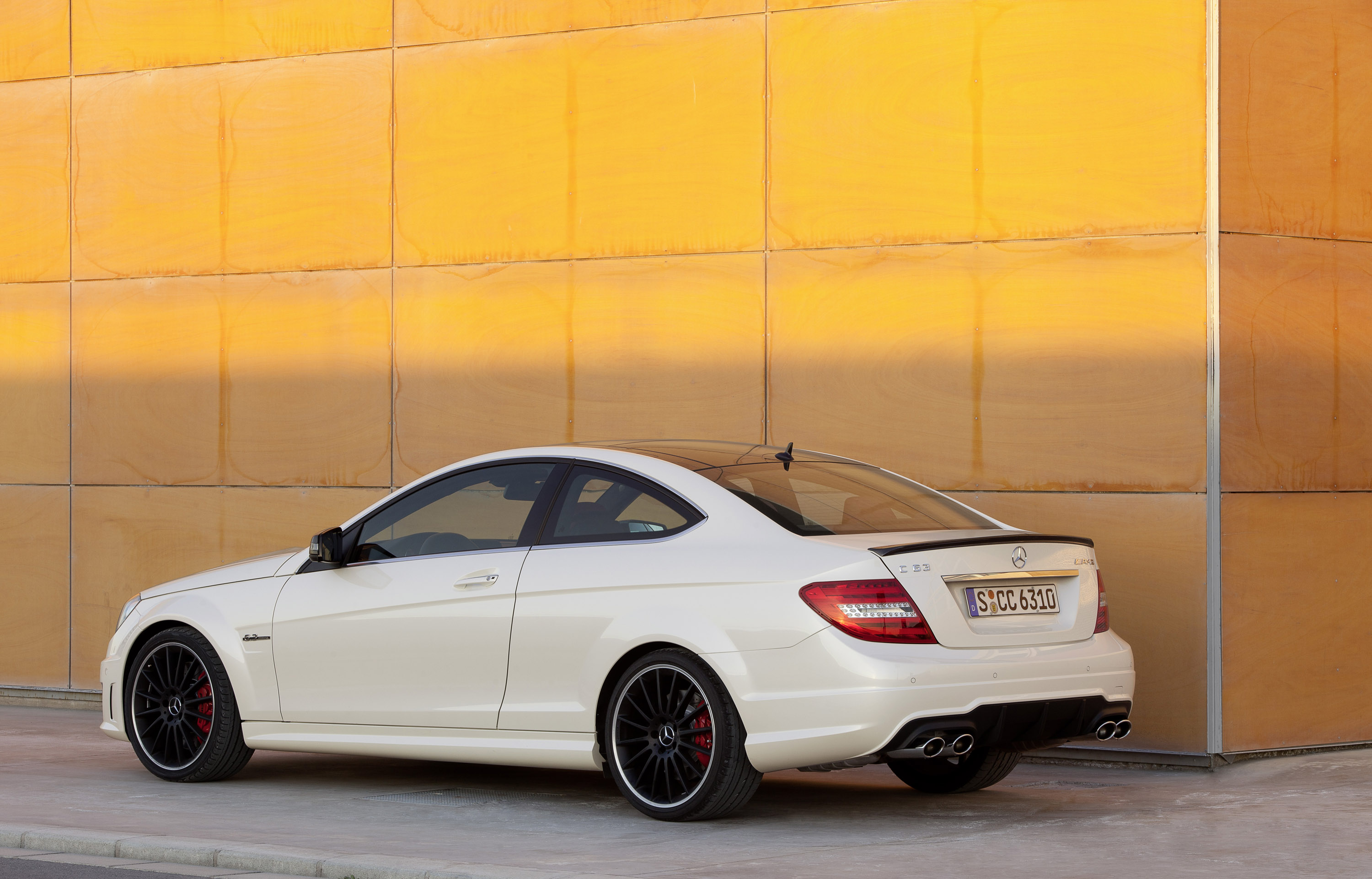 2012 mercedes c63 amg coupe for Mercedes benz c63 amg sedan