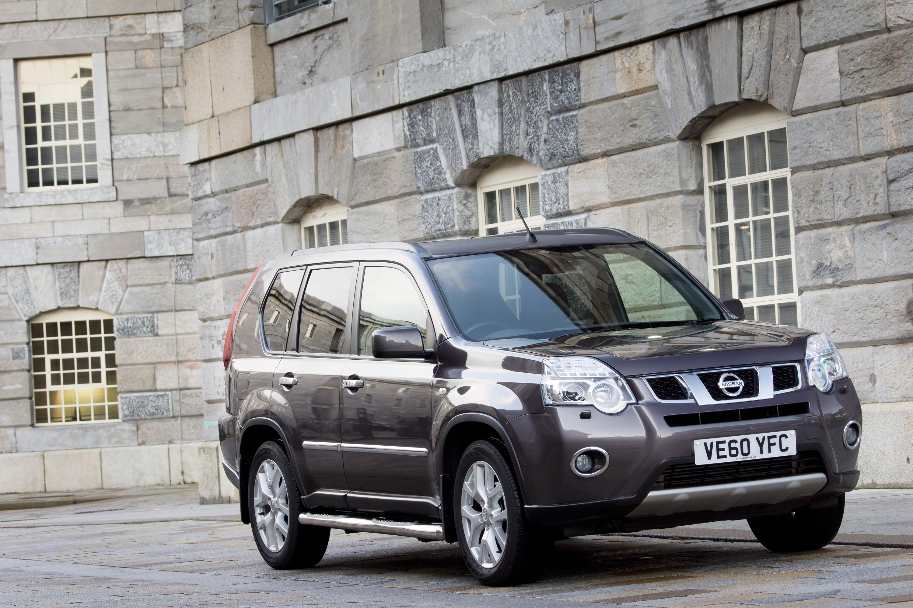 nissan x trail 4x4 platinum edition. Black Bedroom Furniture Sets. Home Design Ideas