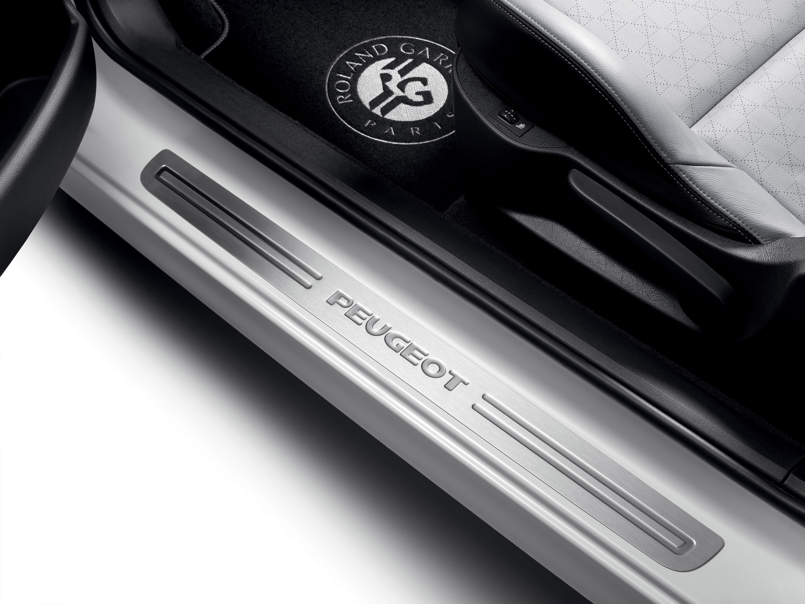 2012 peugeot 207 cc and 308 cc roland garros special editions. Black Bedroom Furniture Sets. Home Design Ideas