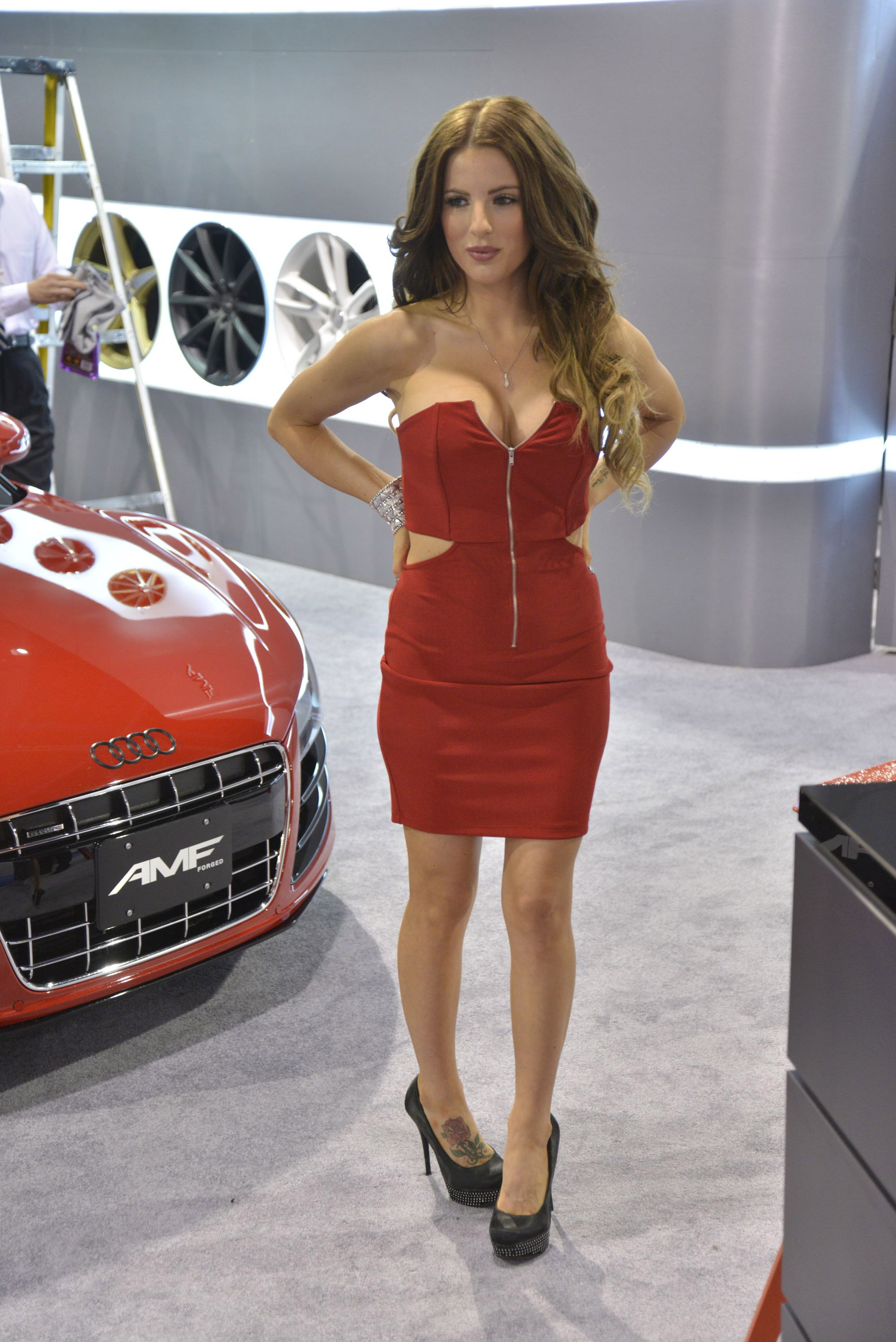2012 Sema Show Girls Picture 76317