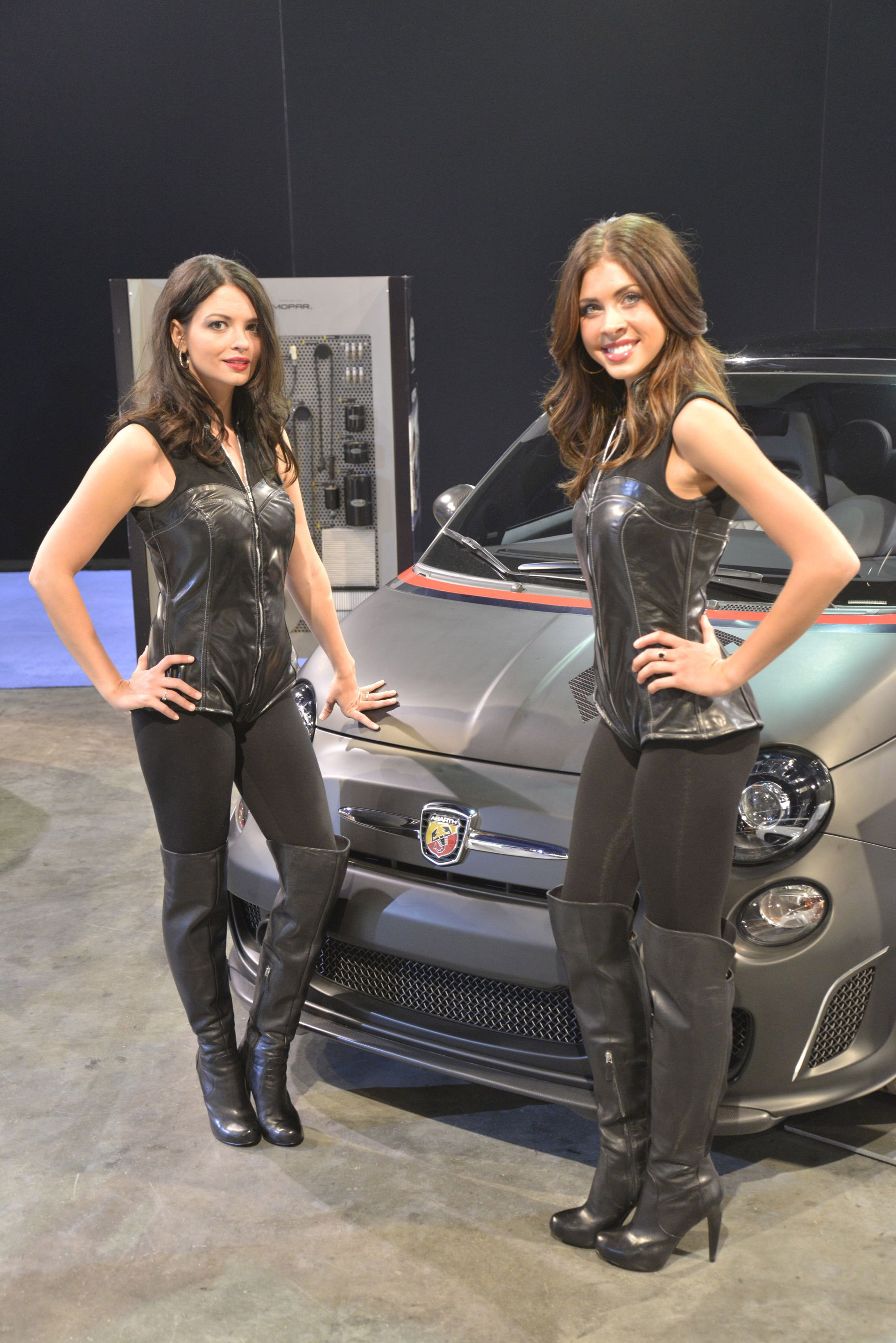 2012 Sema Show Girls Picture 76318