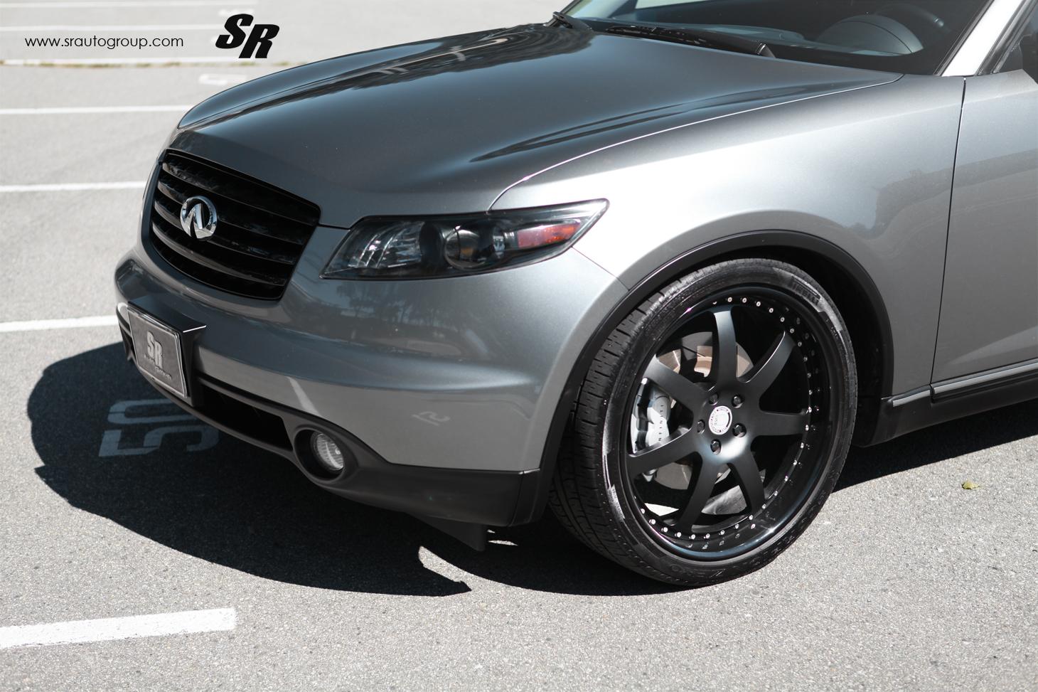 2012 SR Auto Infiniti FX35 Shows Extraordinary Stance