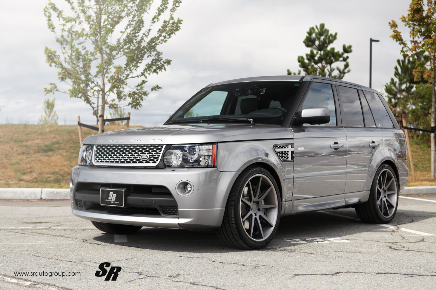 sr auto range rover shows the range of details. Black Bedroom Furniture Sets. Home Design Ideas