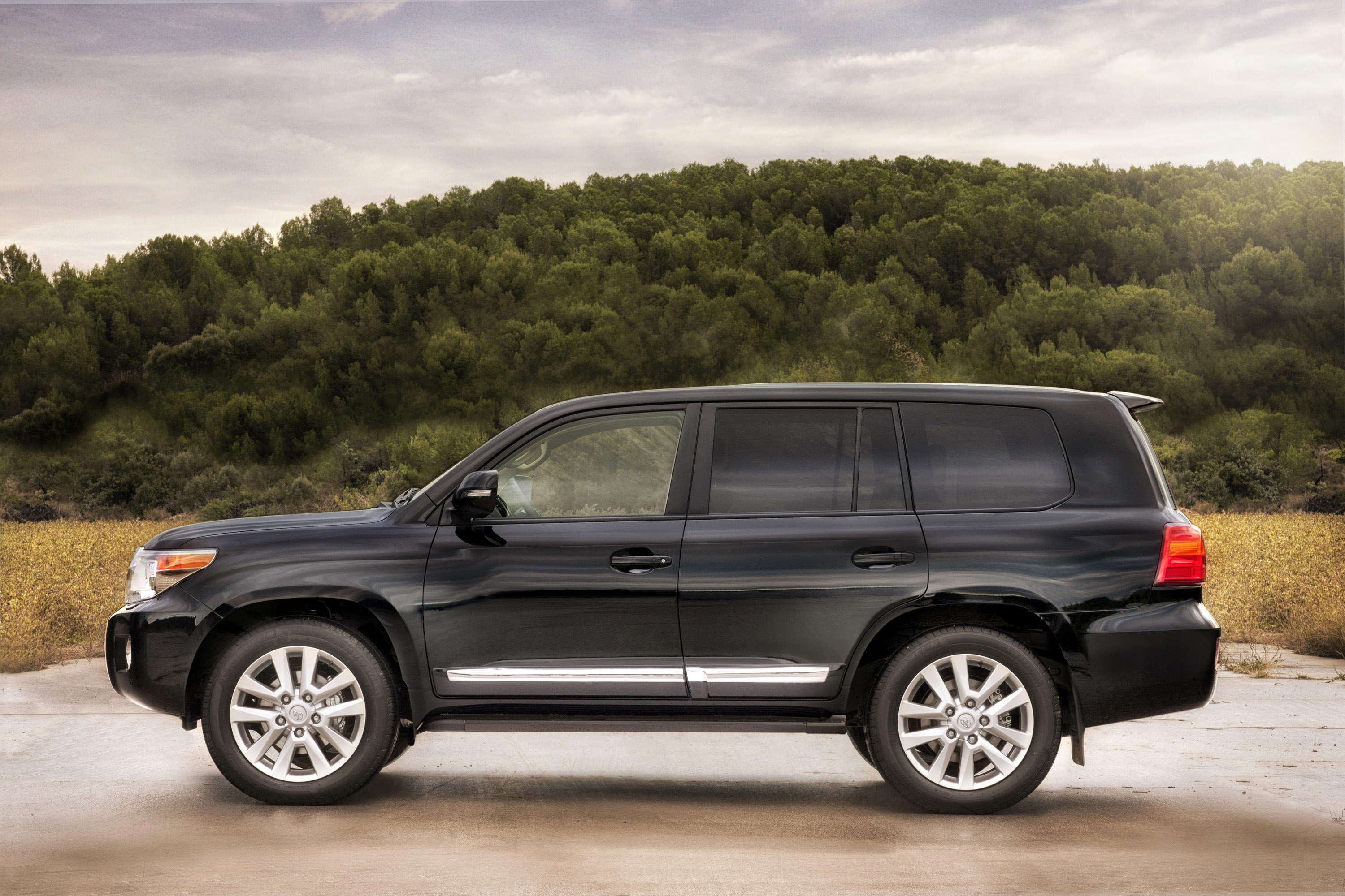 V8 Energy Review >> 2012 Toyota Land Cruiser V8