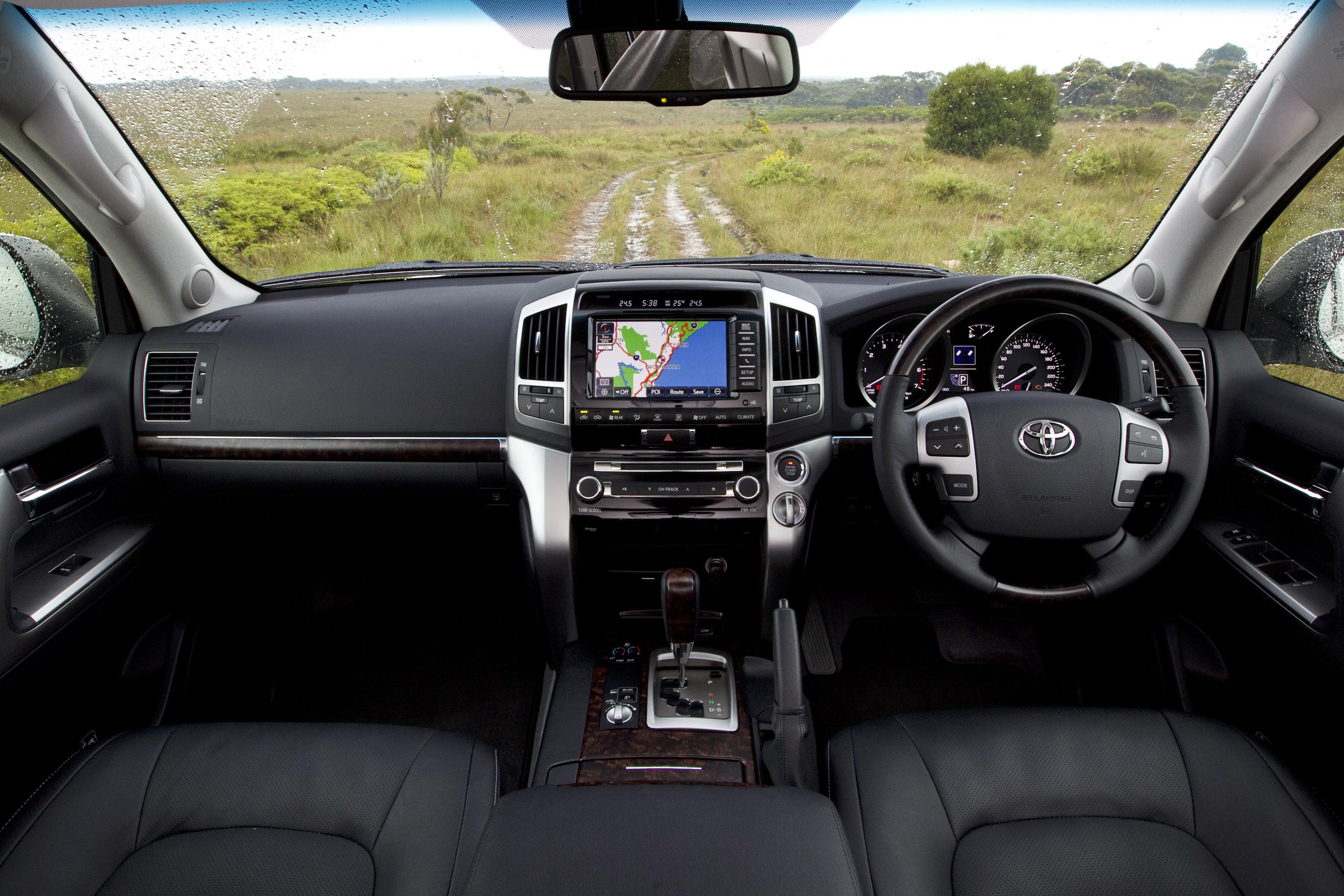 Toyota Prado 2018 Review >> 2012 Toyota LandCruiser 200 with new 4.6 liter V8 engine