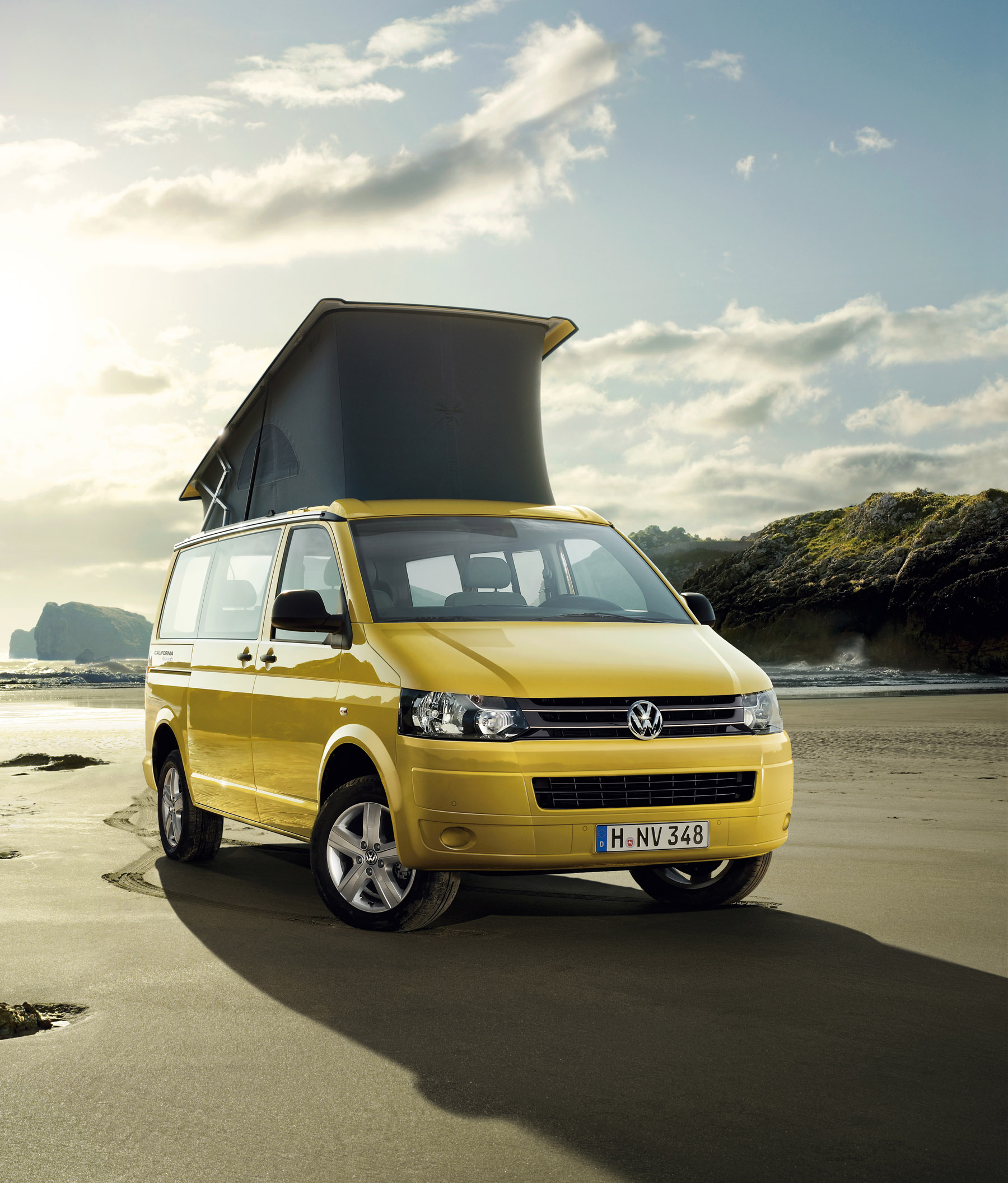 2012 volkswagen california beach price 34 970. Black Bedroom Furniture Sets. Home Design Ideas