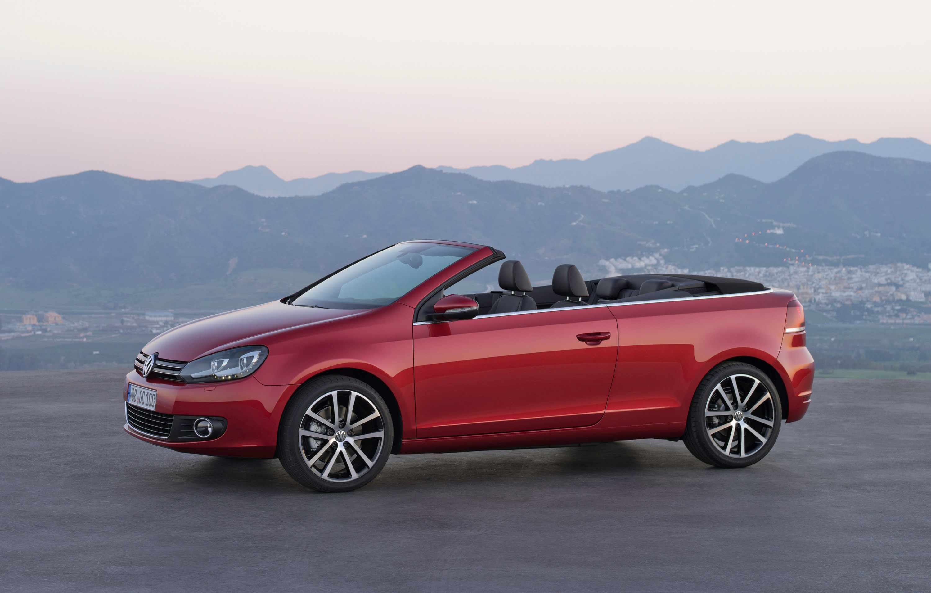 Volkswagen Golf 6 Cabrio Commercial Video