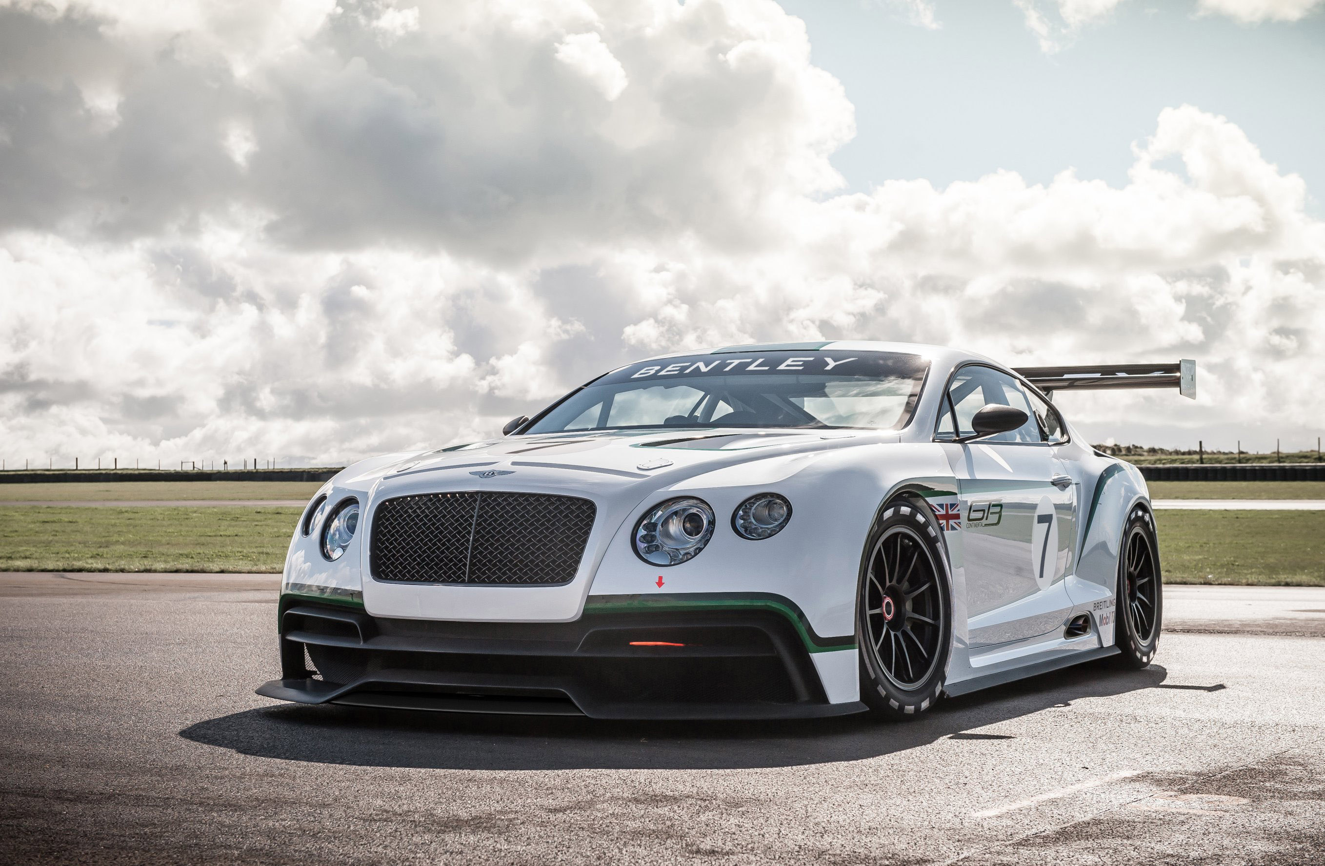 supersports information bentley car pictures wallpaper continental the specs who makes