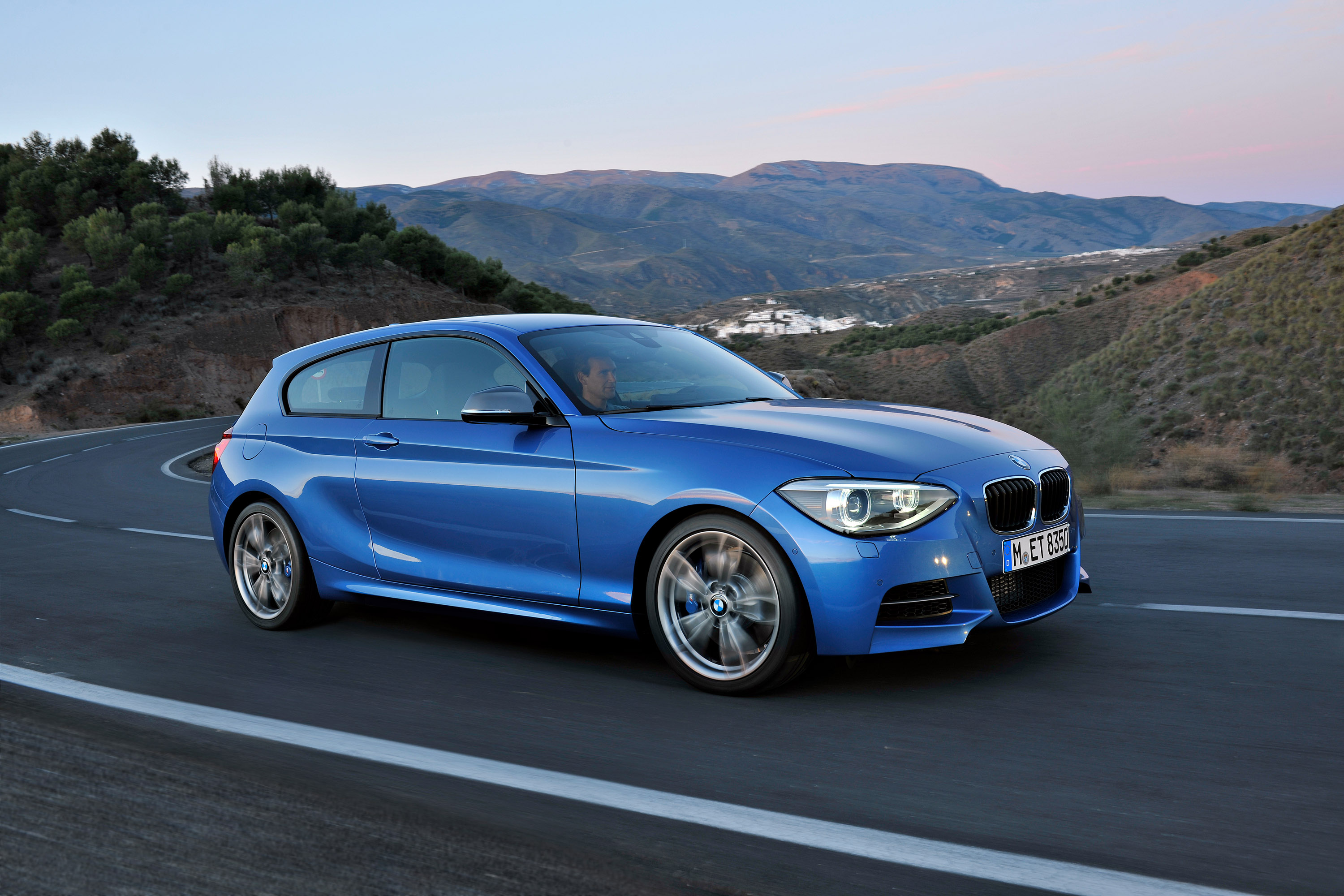 bmw comes out with the new three door 2013 bmw 1 series. Black Bedroom Furniture Sets. Home Design Ideas