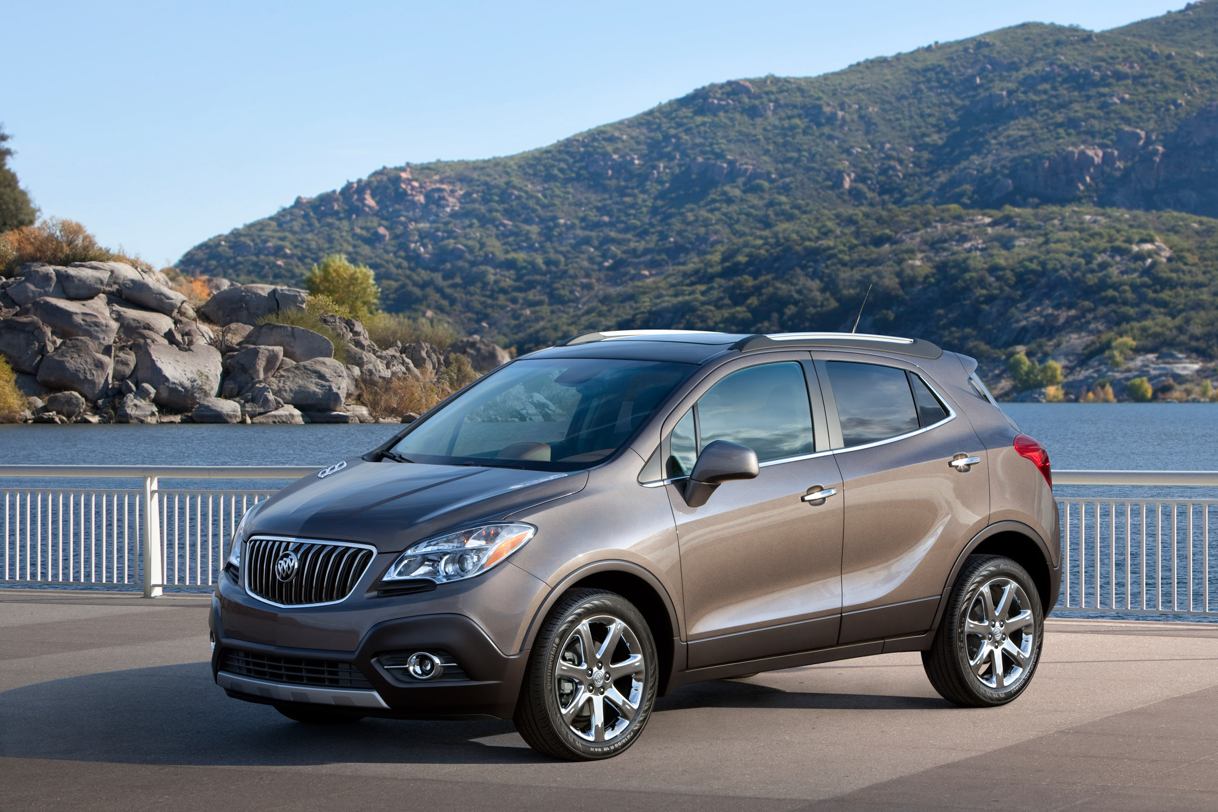 quarter three envision buick front in motion reviews and cars motor price trend rating encore